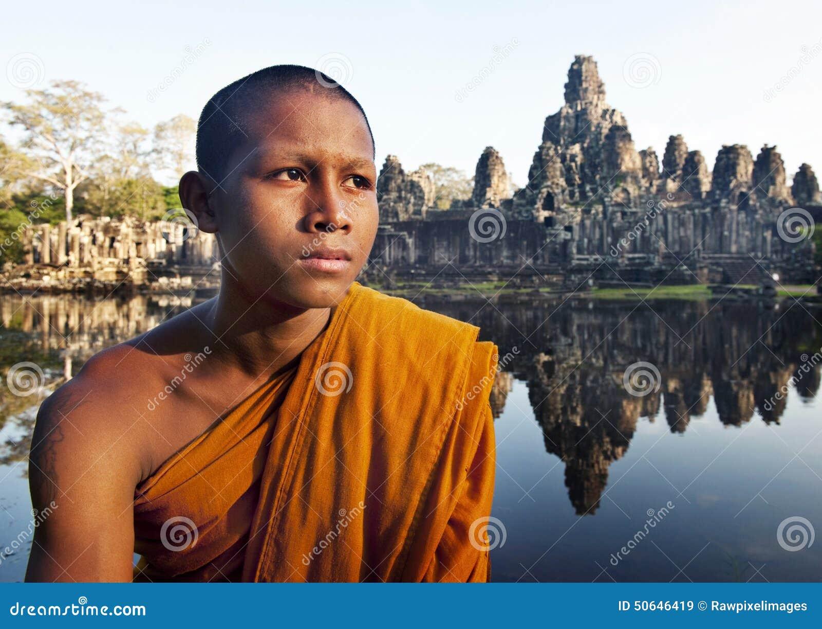 Alter Buddhismus, der Mönch Cambodia Concept erwägt