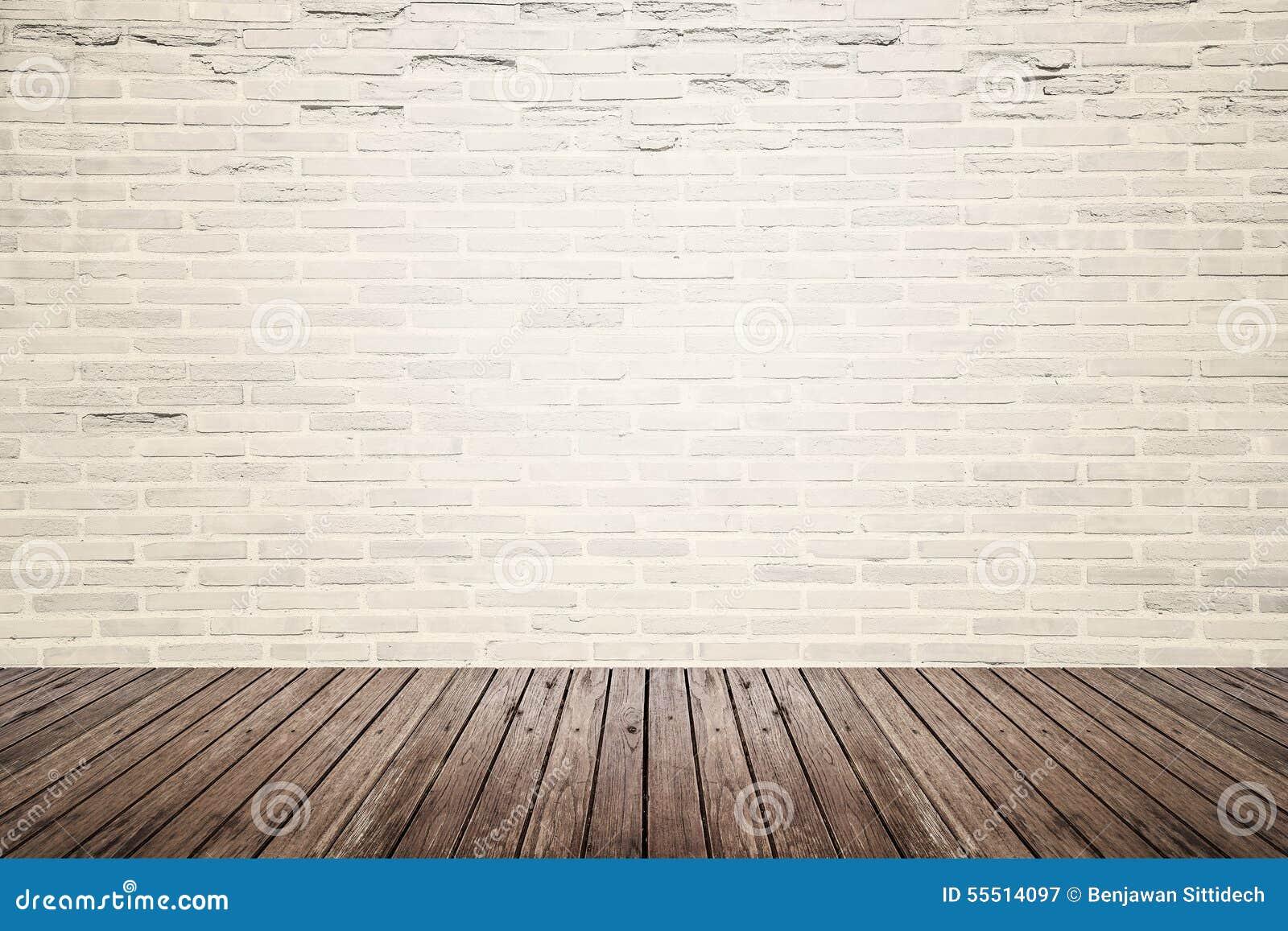 Alter Innenraum Mit Backsteinmauer Und Holzfussboden Stockbild Bild