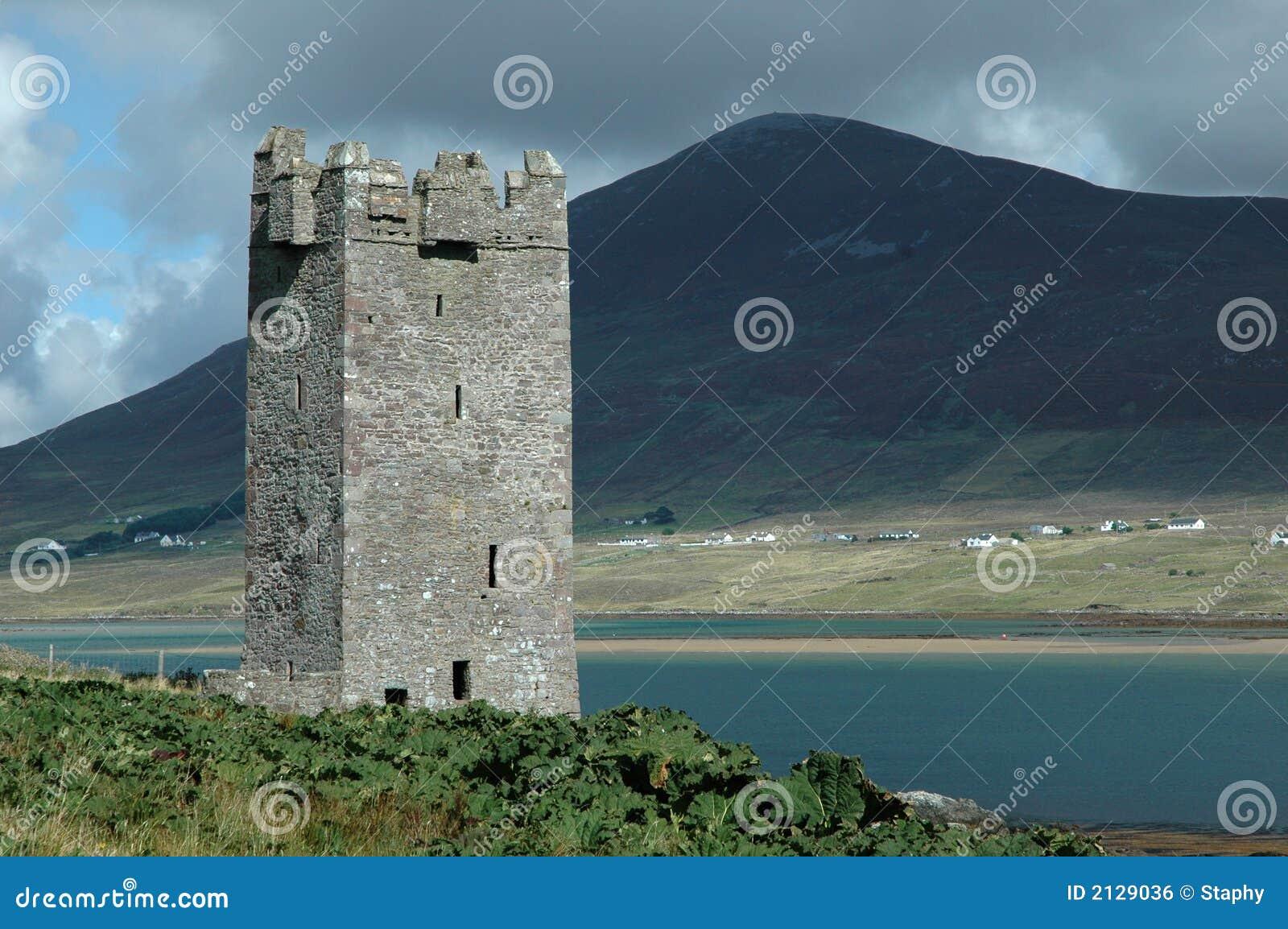 Alter irischer Schlosskontrollturm