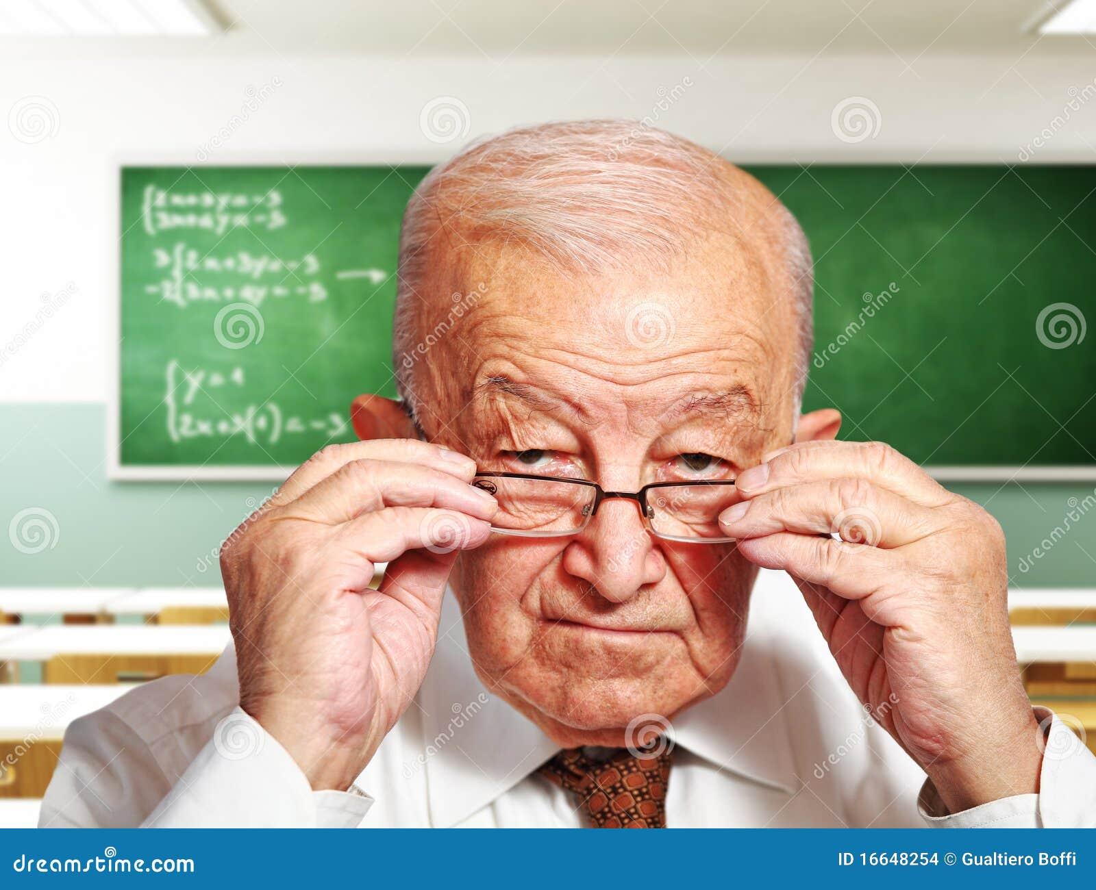 Raffinierter Alter Lehrer Bumst Winzige Schülerin