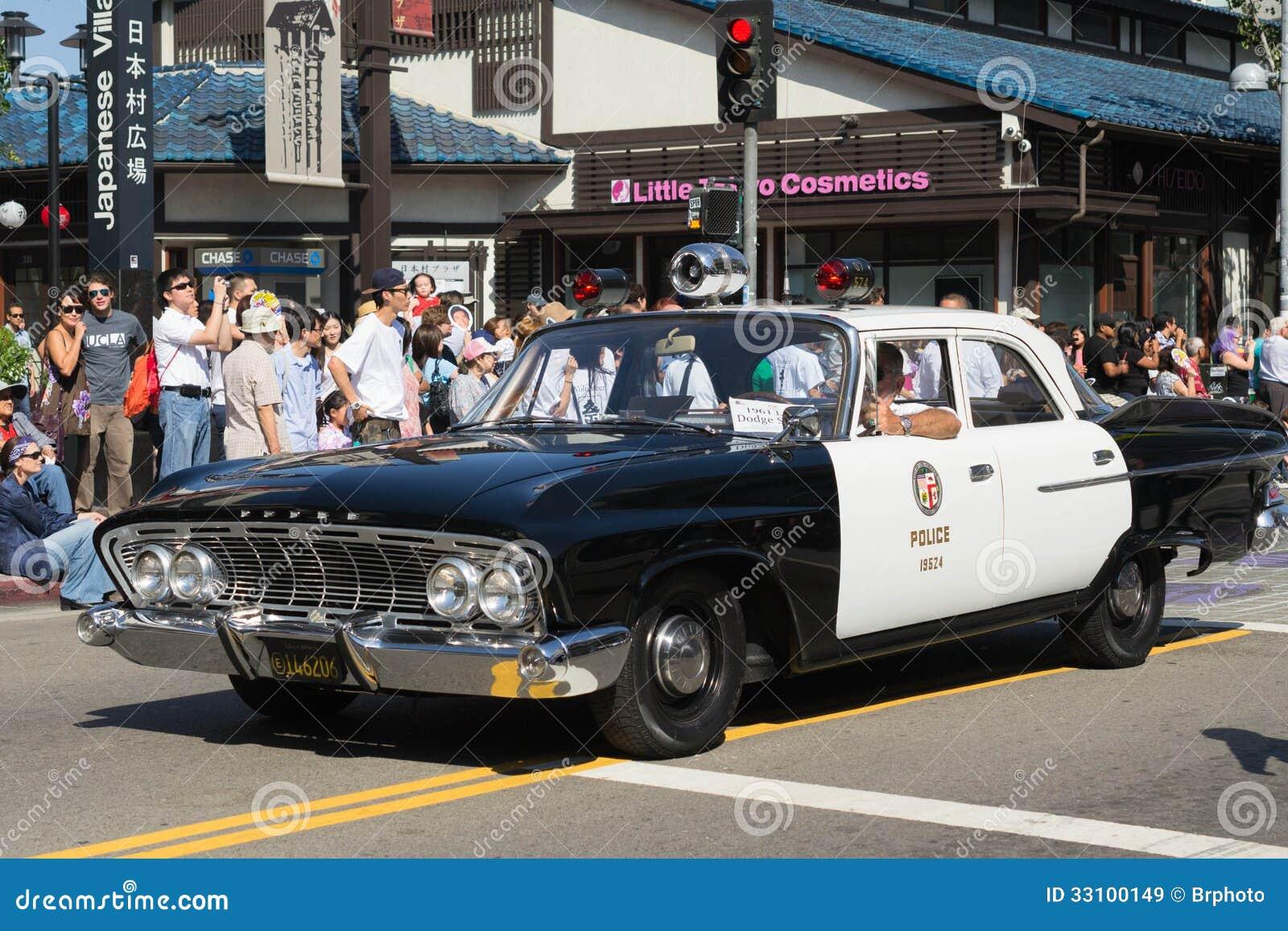 Alter Polizeiwagen in der 73. jährliche Nisei-Wochen-großartigen Parade