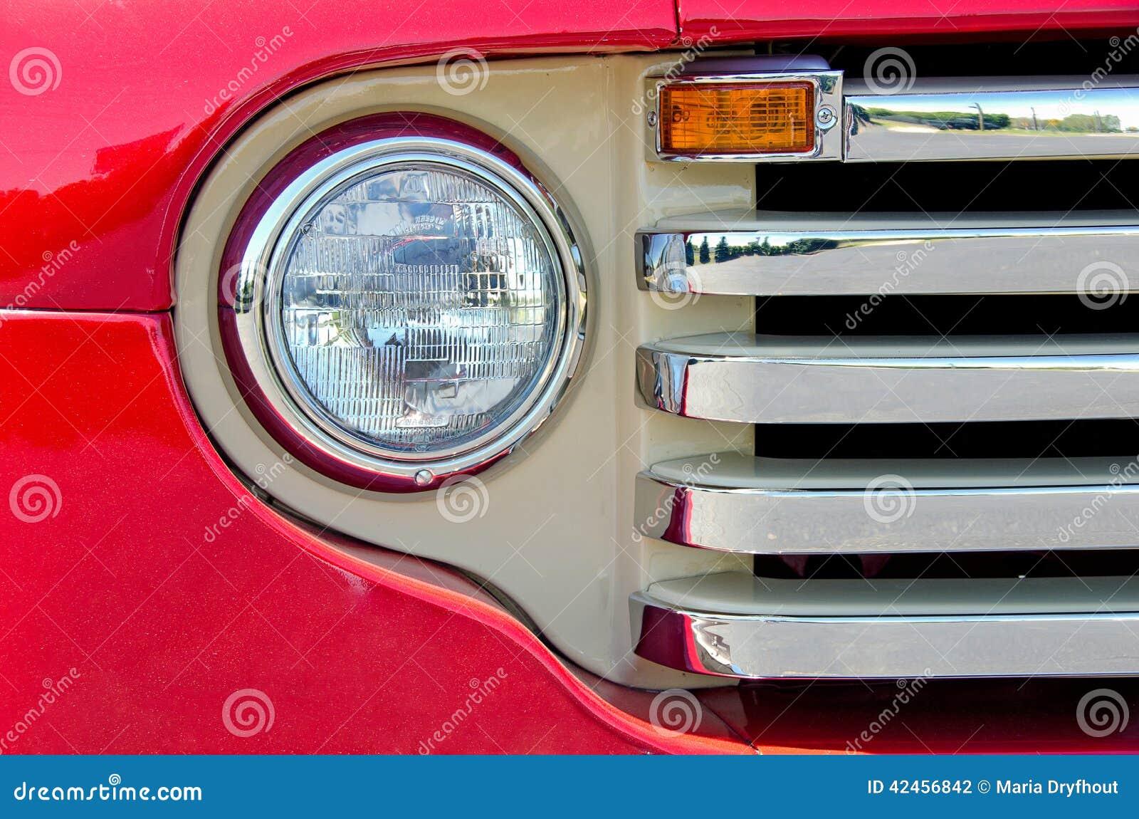 Alter roter LKW-Scheinwerfer