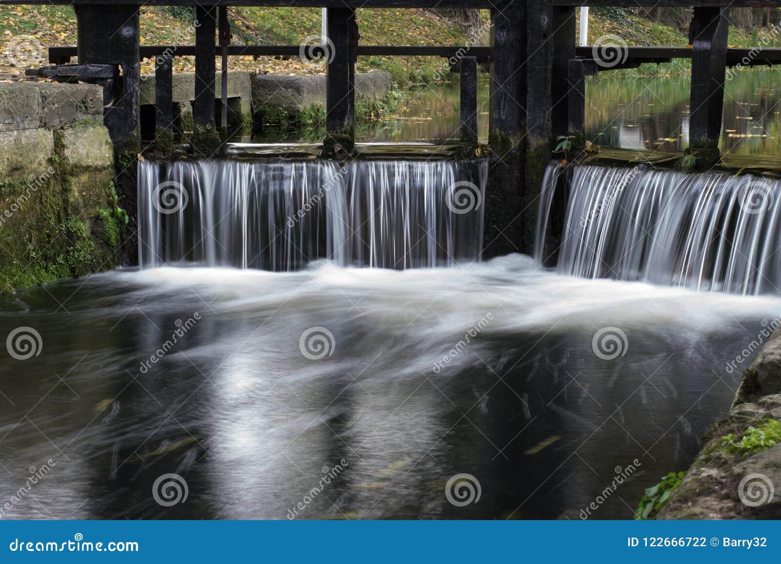 Alter Schleusentor auf Grand Canal, Dublin, Irland