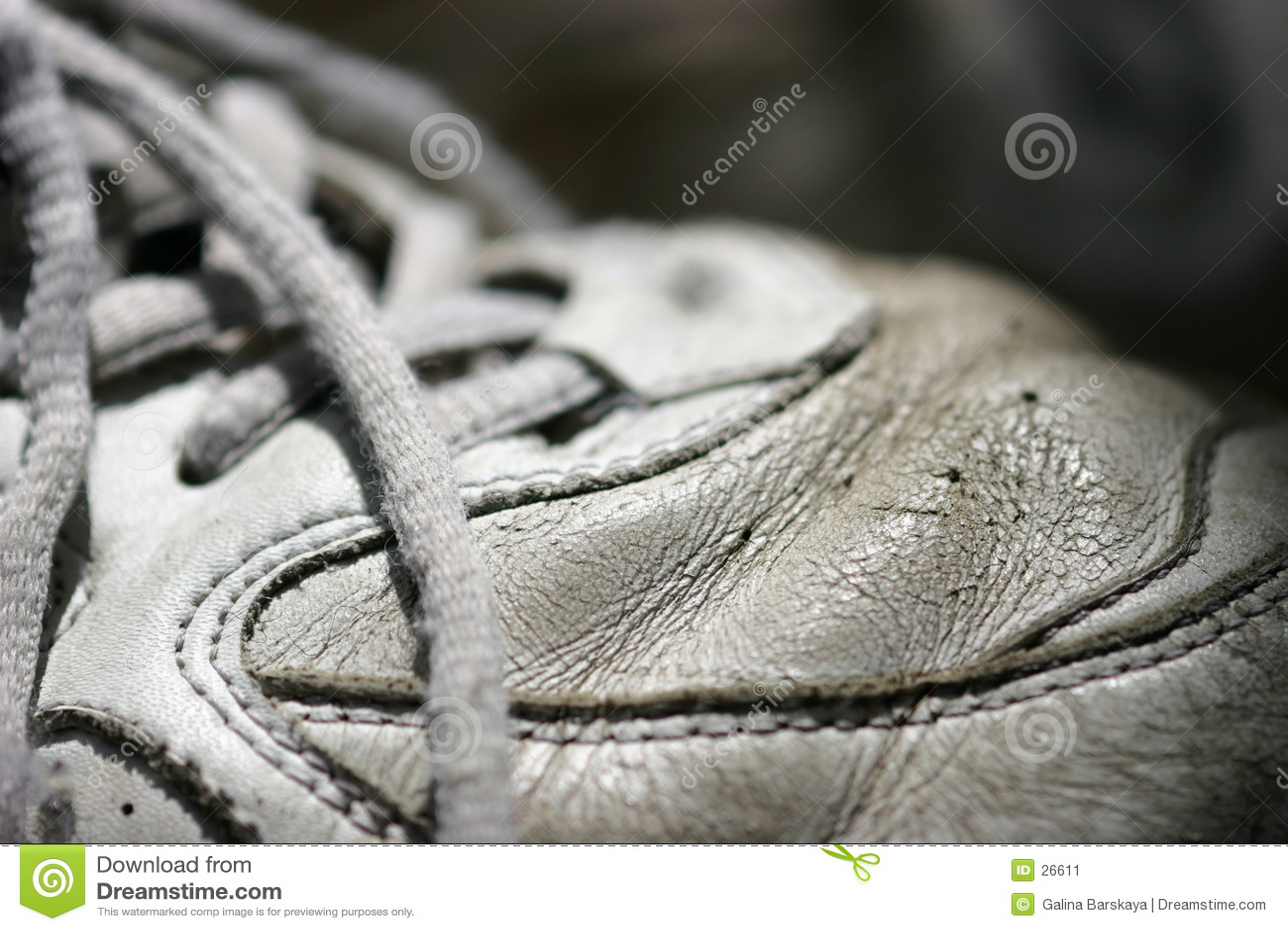 Alter Tennis Schuh