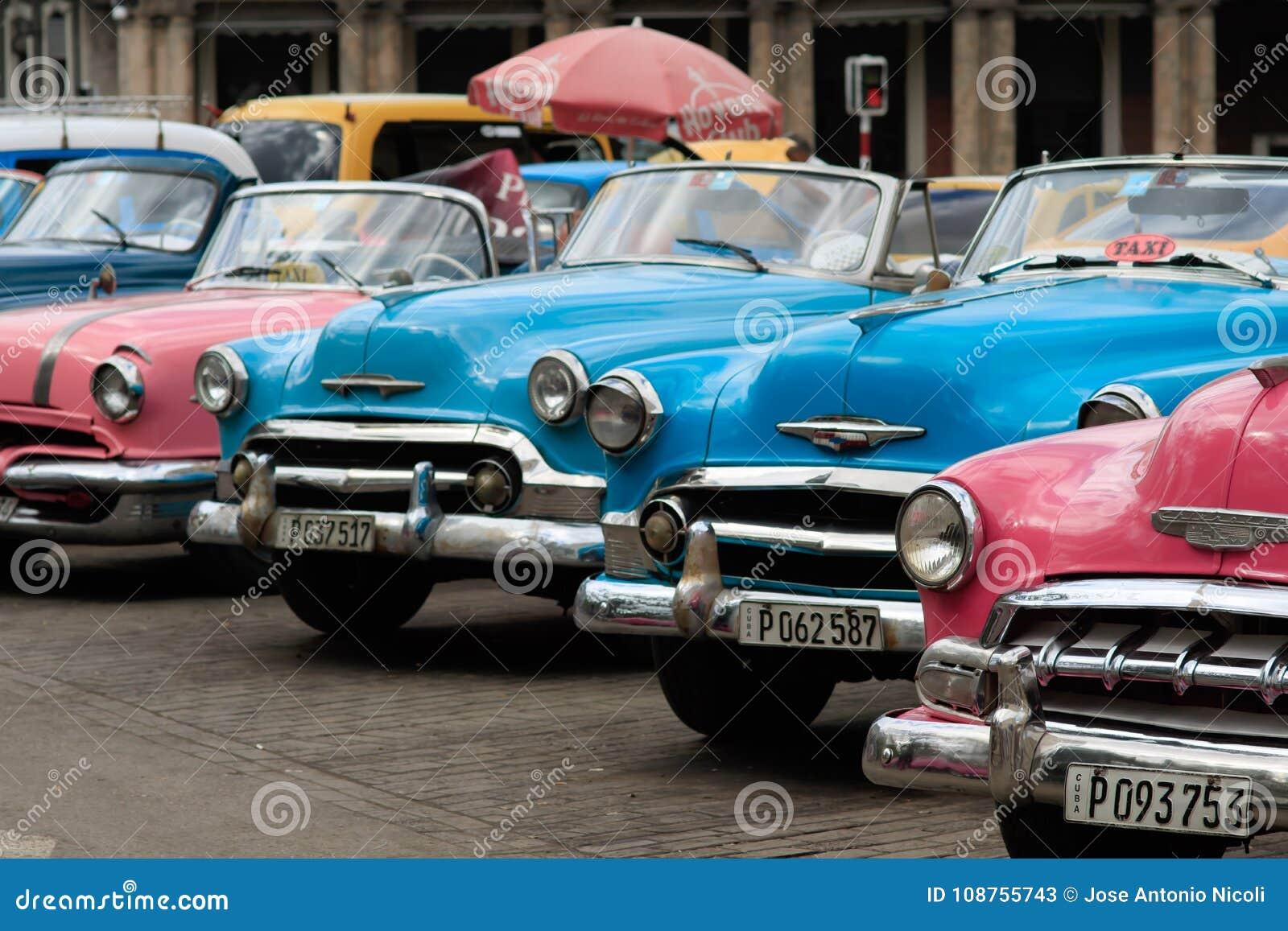 Altes Auto In Kuba Redaktionelles Stockfoto Bild Von Weinlese