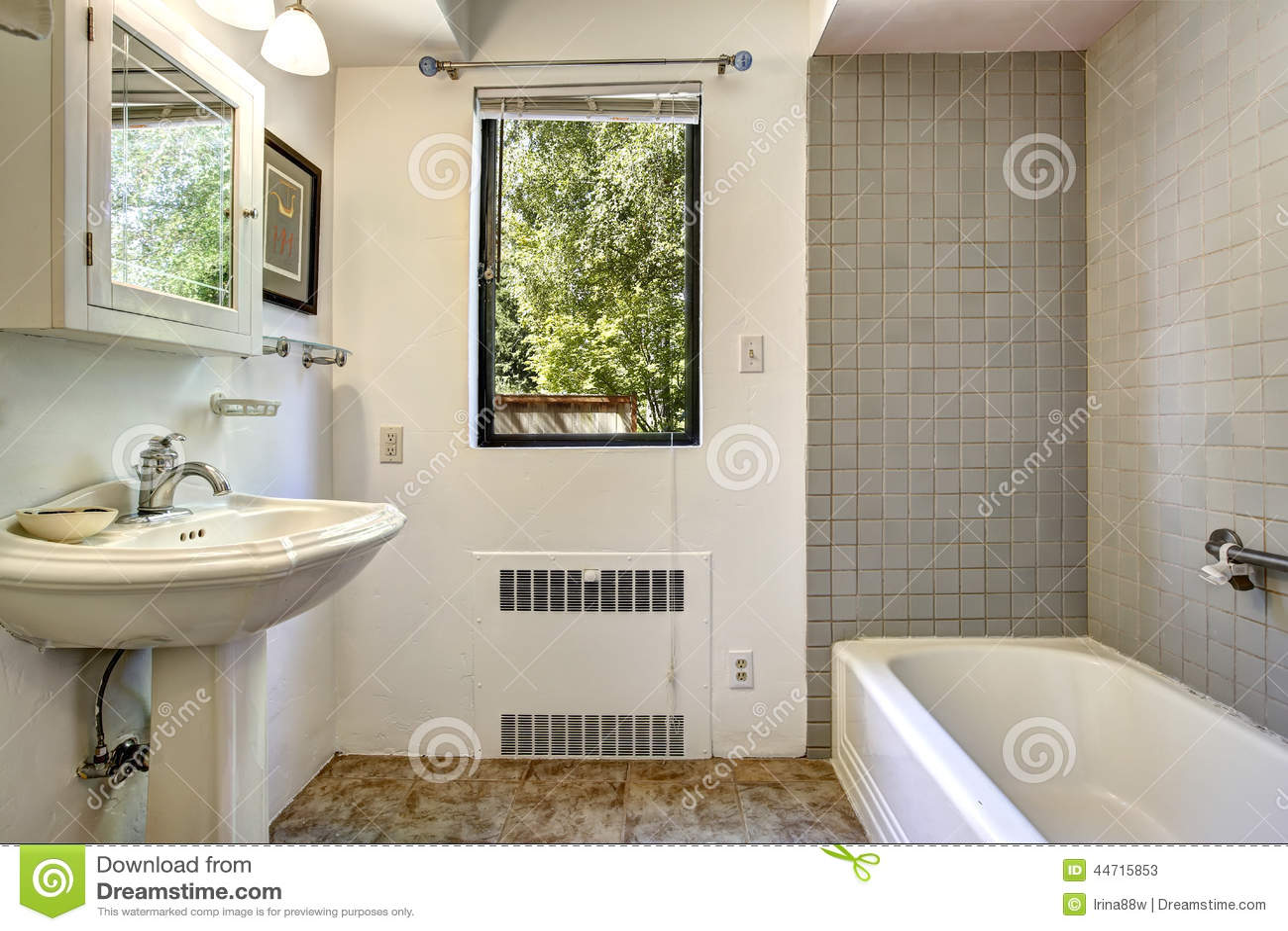altes badezimmer versch nern altes badezimmer versch nern 20 sch n altes badezimmer aufpeppen. Black Bedroom Furniture Sets. Home Design Ideas