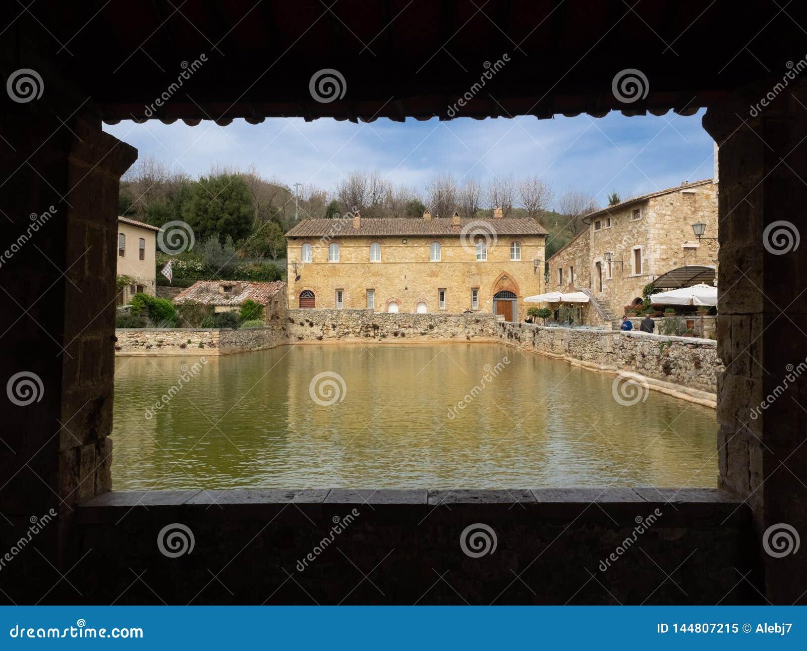 Altes Dorf in Toskana