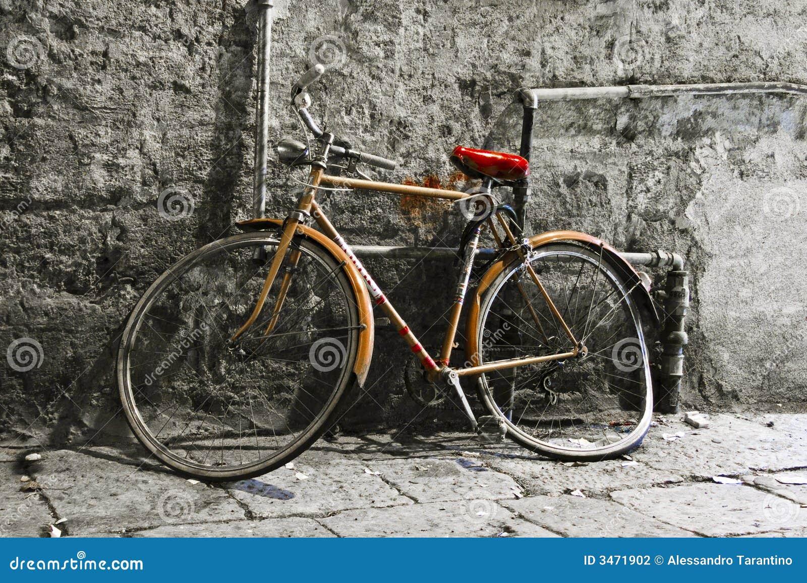 altes fahrrad stockfoto bild von palermo retro metall 3471902. Black Bedroom Furniture Sets. Home Design Ideas