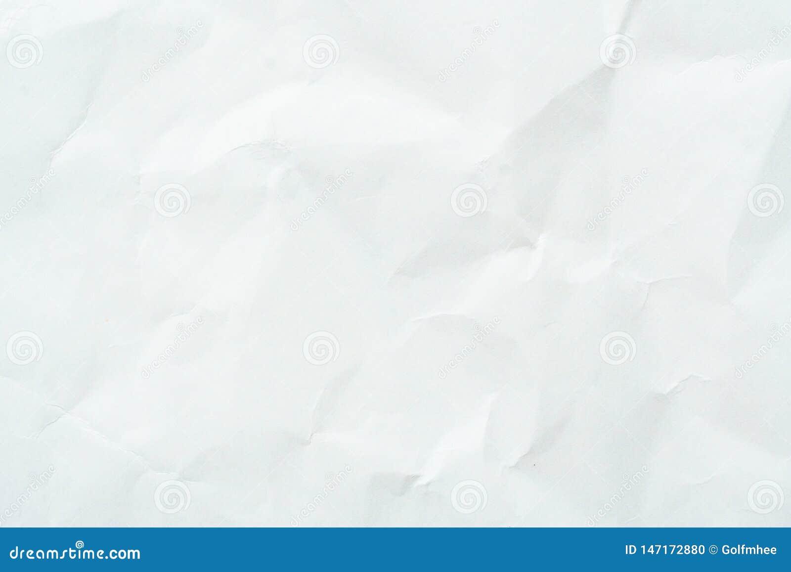 Altes graues eco zerknitterte Zeichenpapierkraftpapier-Hintergrundbeschaffenheit im weichen wei?en helle Farbkonzept f?r Seitenta