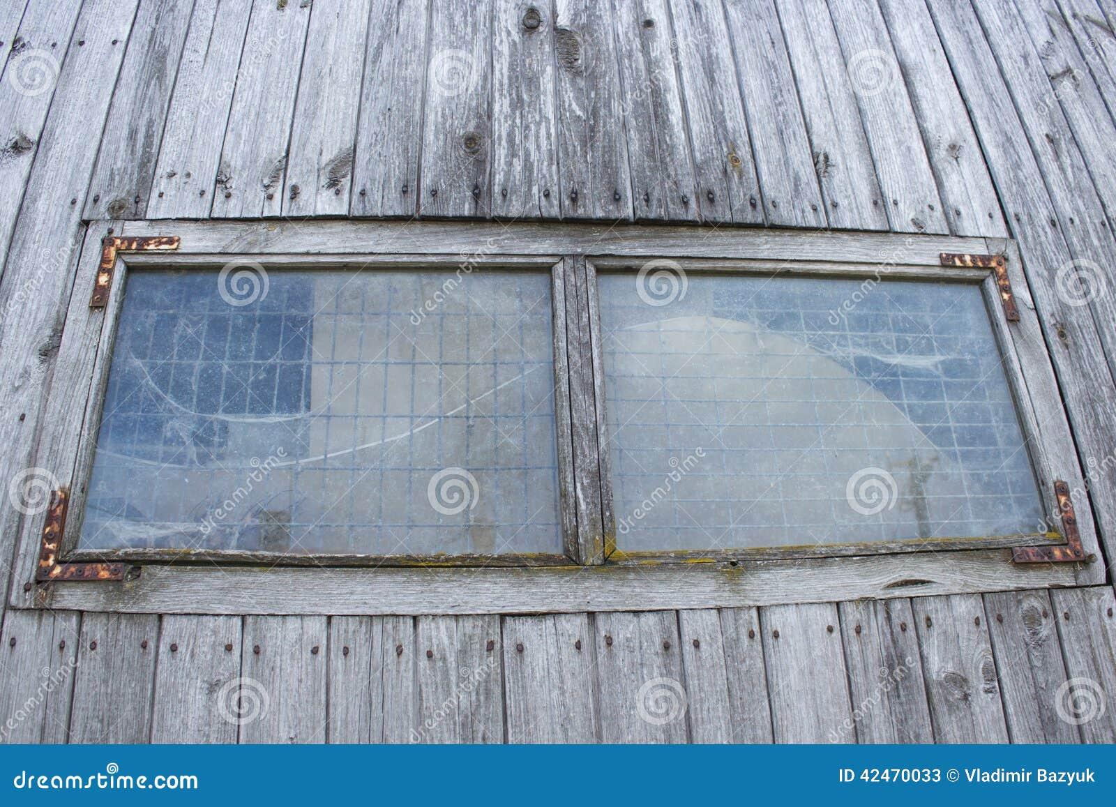 Altes hölzernes Fenster