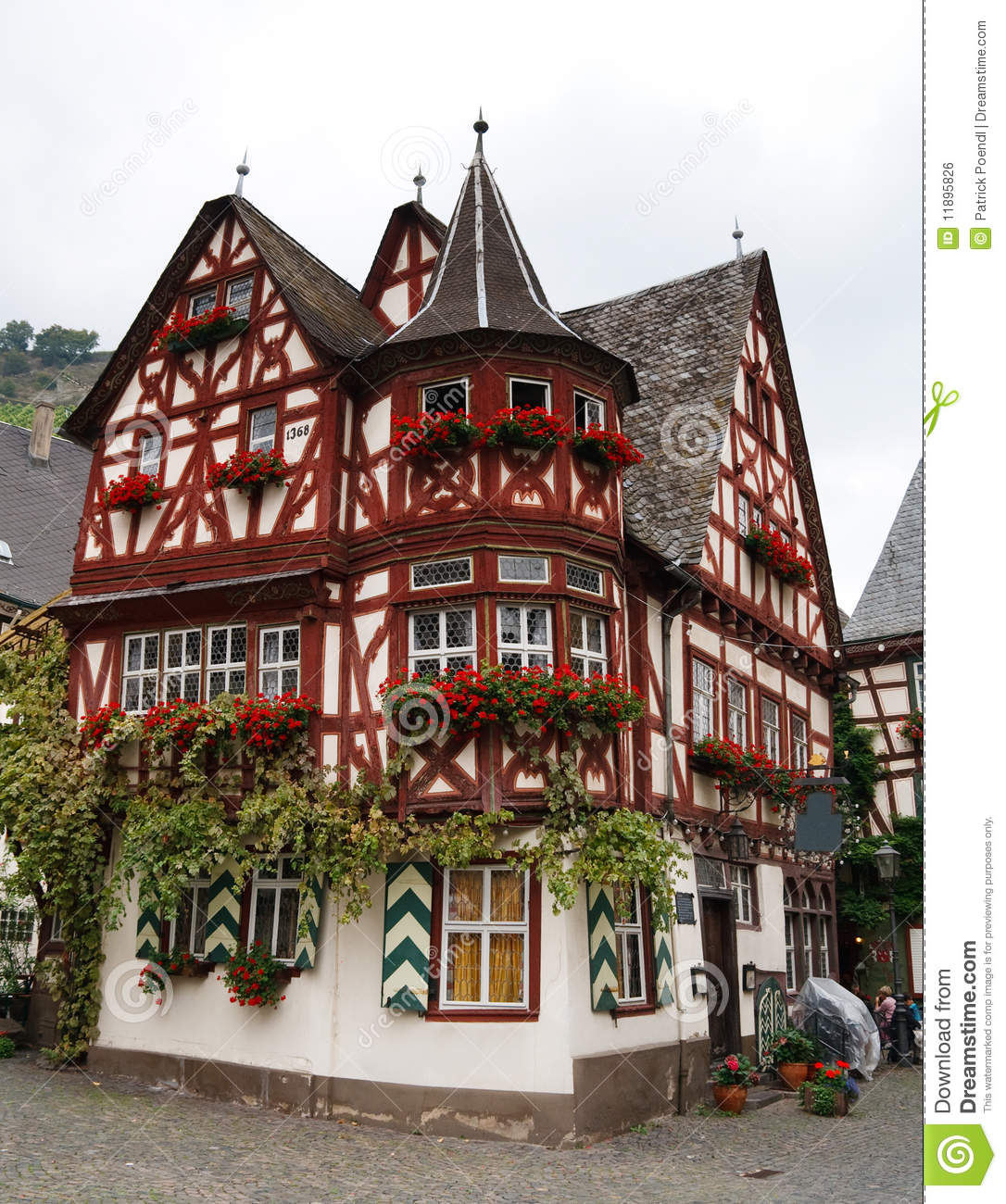 altes haus old house in bacharach germany stock photo. Black Bedroom Furniture Sets. Home Design Ideas