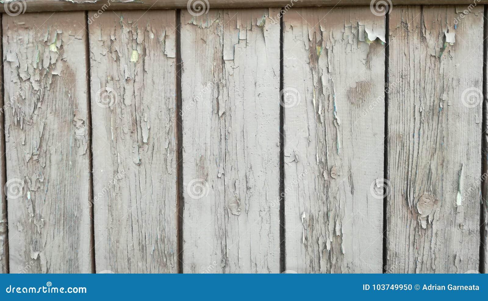 Altes Holz gemalt im Weiß