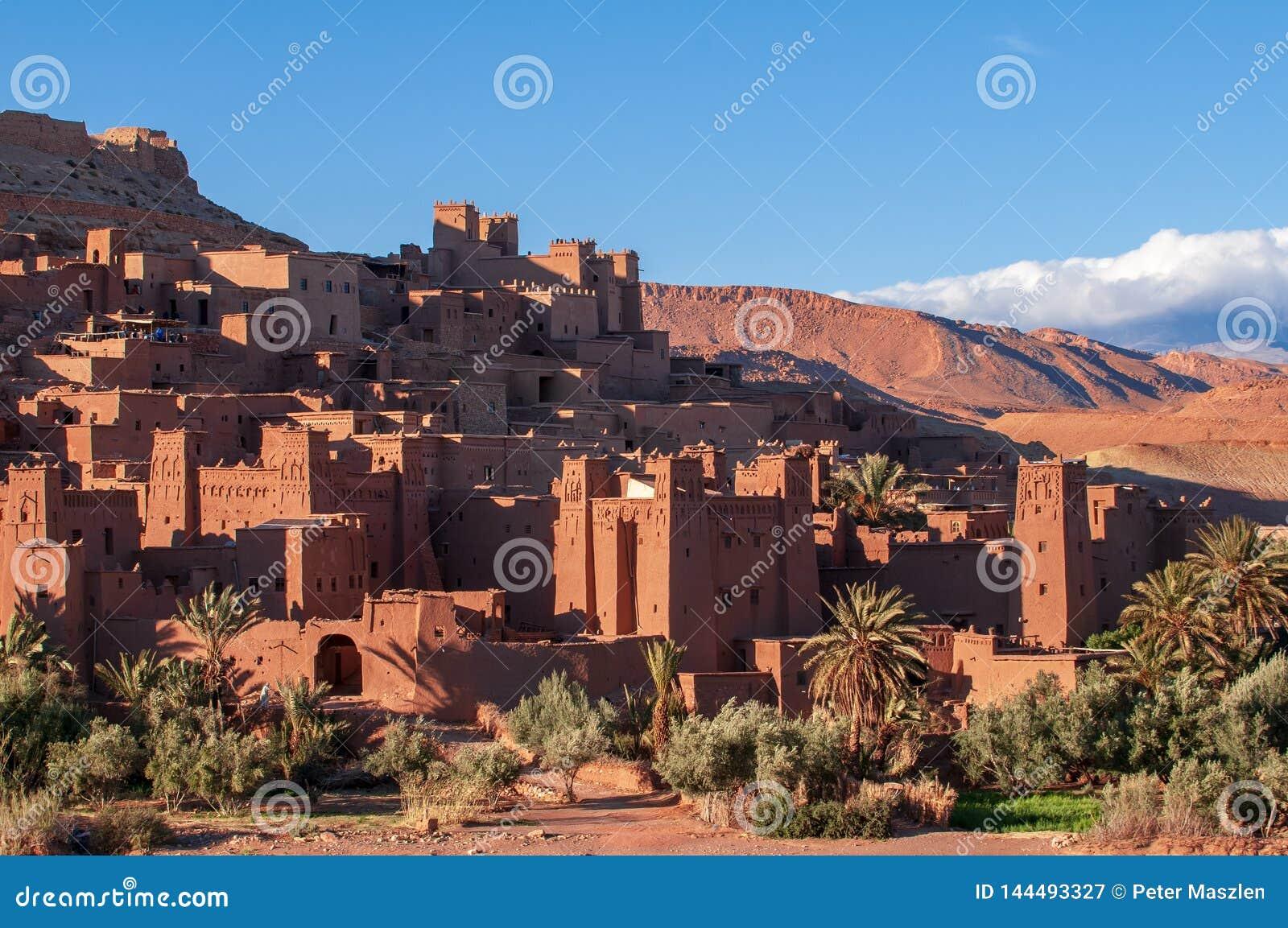 Altes kasbah Dorf Hilfe-Ben-Haddou in der Wüste von Marokko