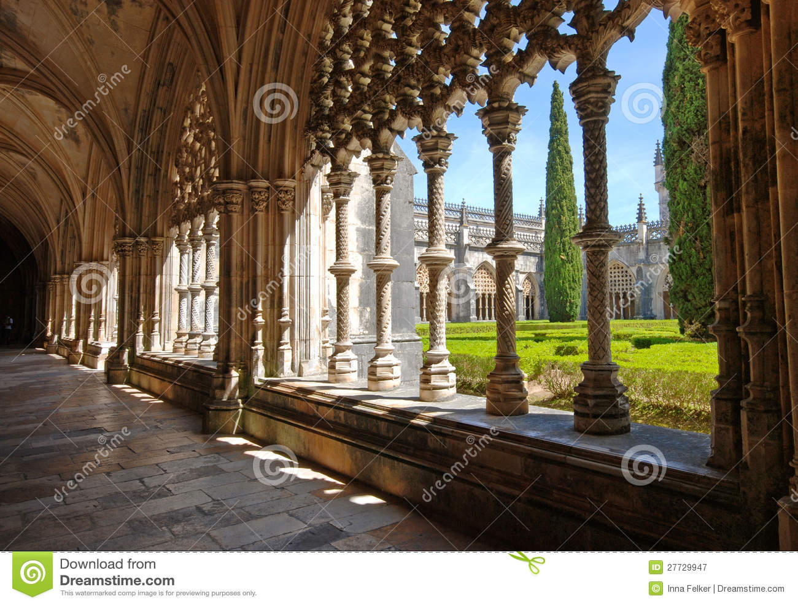Altes Kloster und Garten, Batalha, Portugal