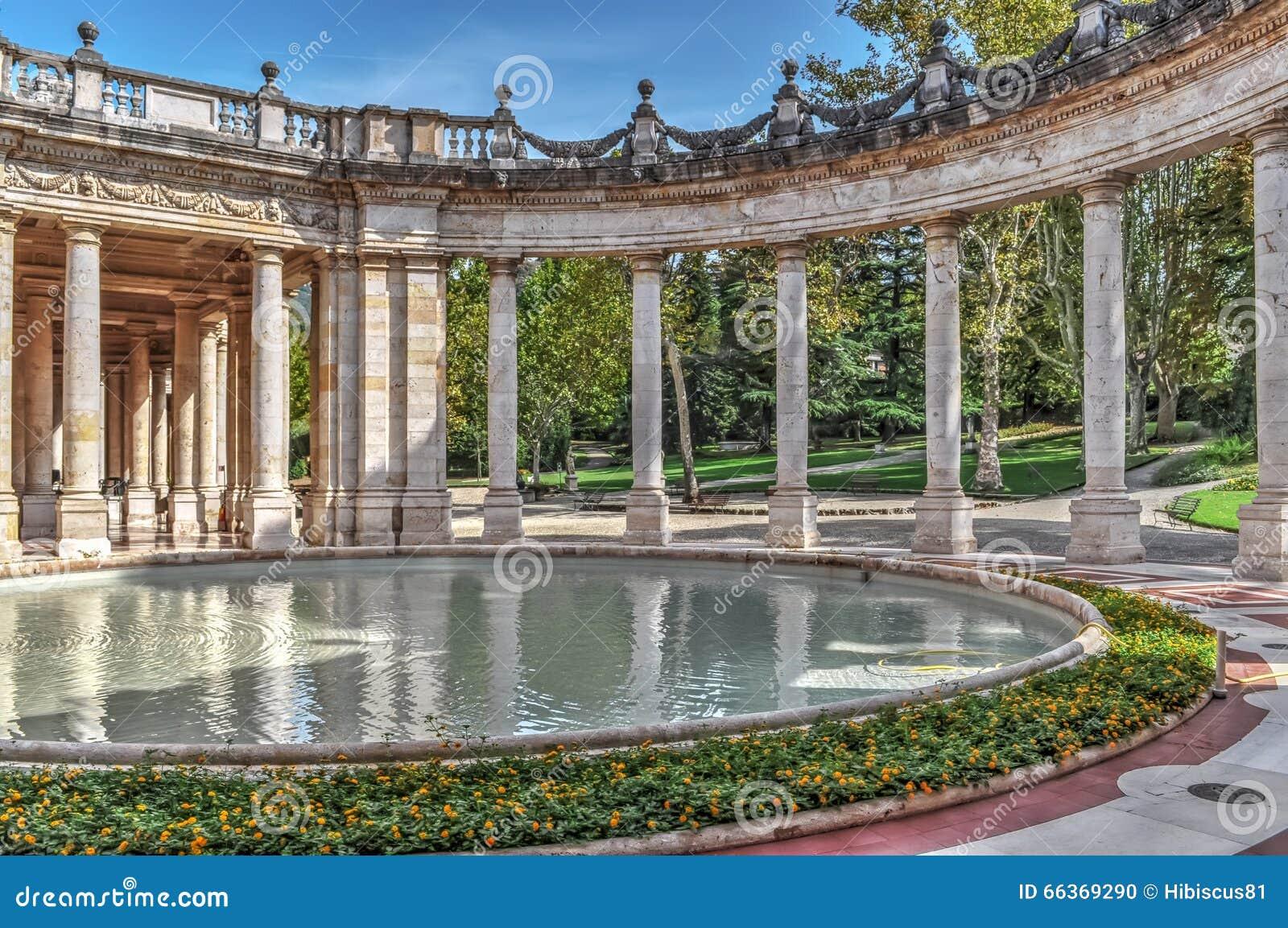 Altes Pool in Montecatini Terme