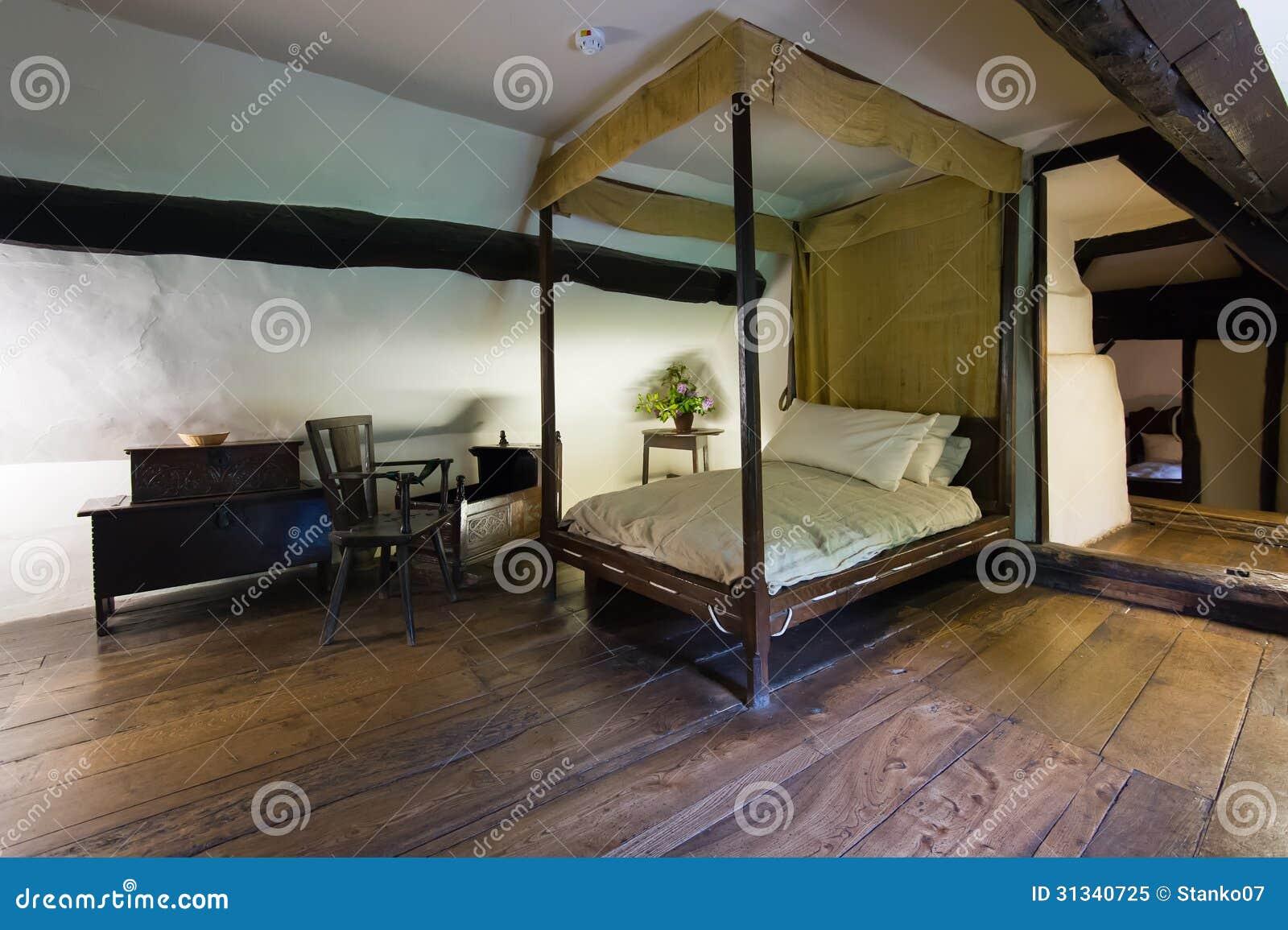 altes schlafzimmer lizenzfreies stockfoto - bild: 31340725, Schlafzimmer entwurf