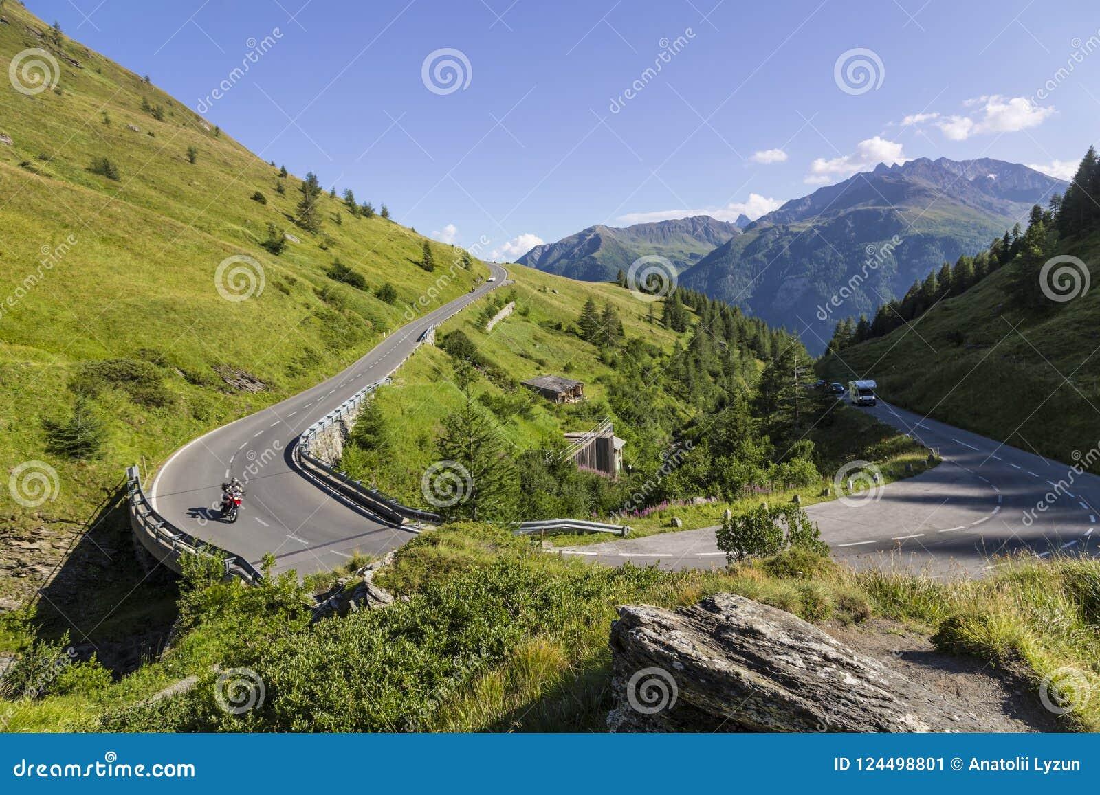 Alto camino alpestre de Grossglockner austria europa