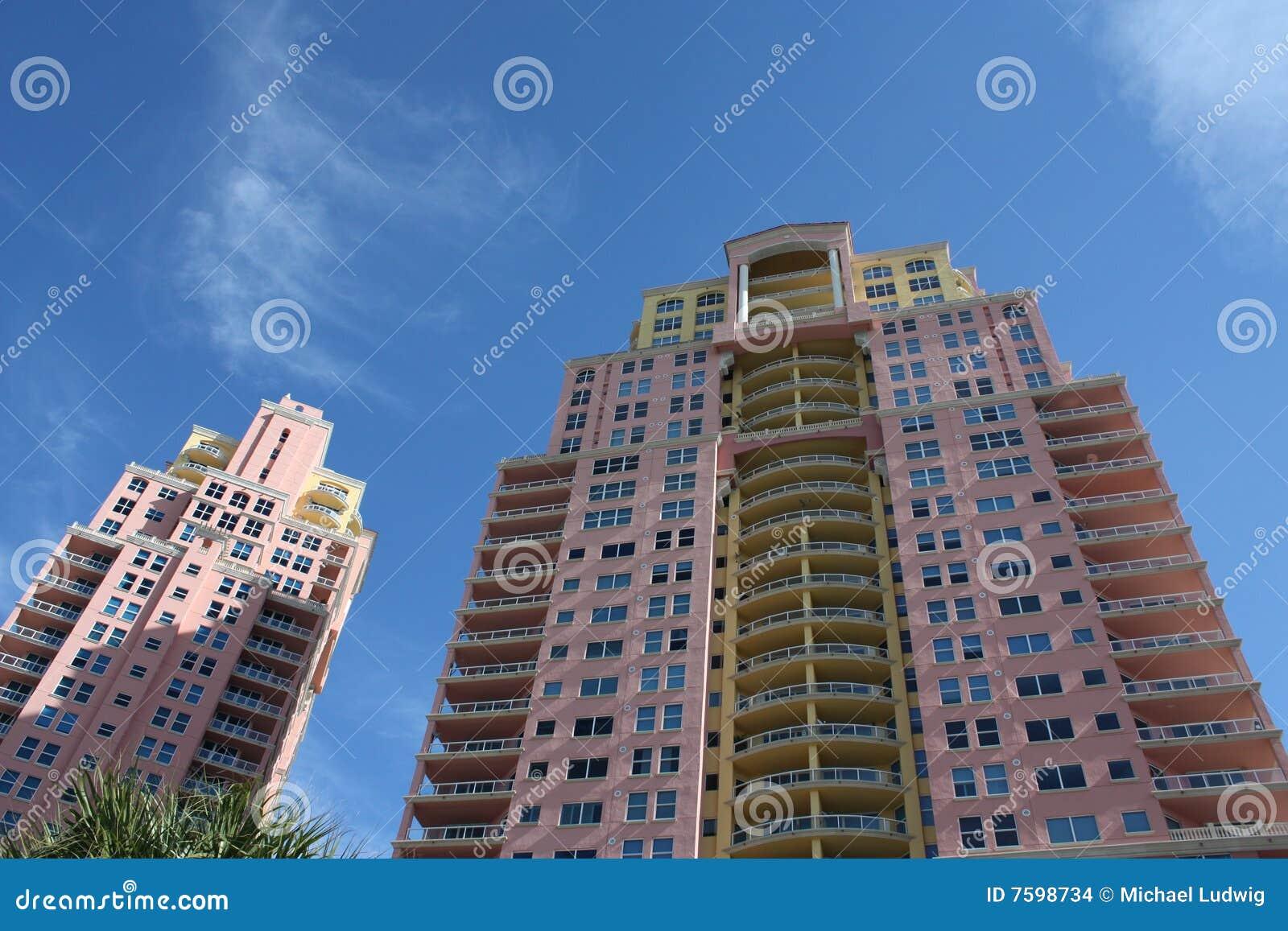 Alto condominio di aumento