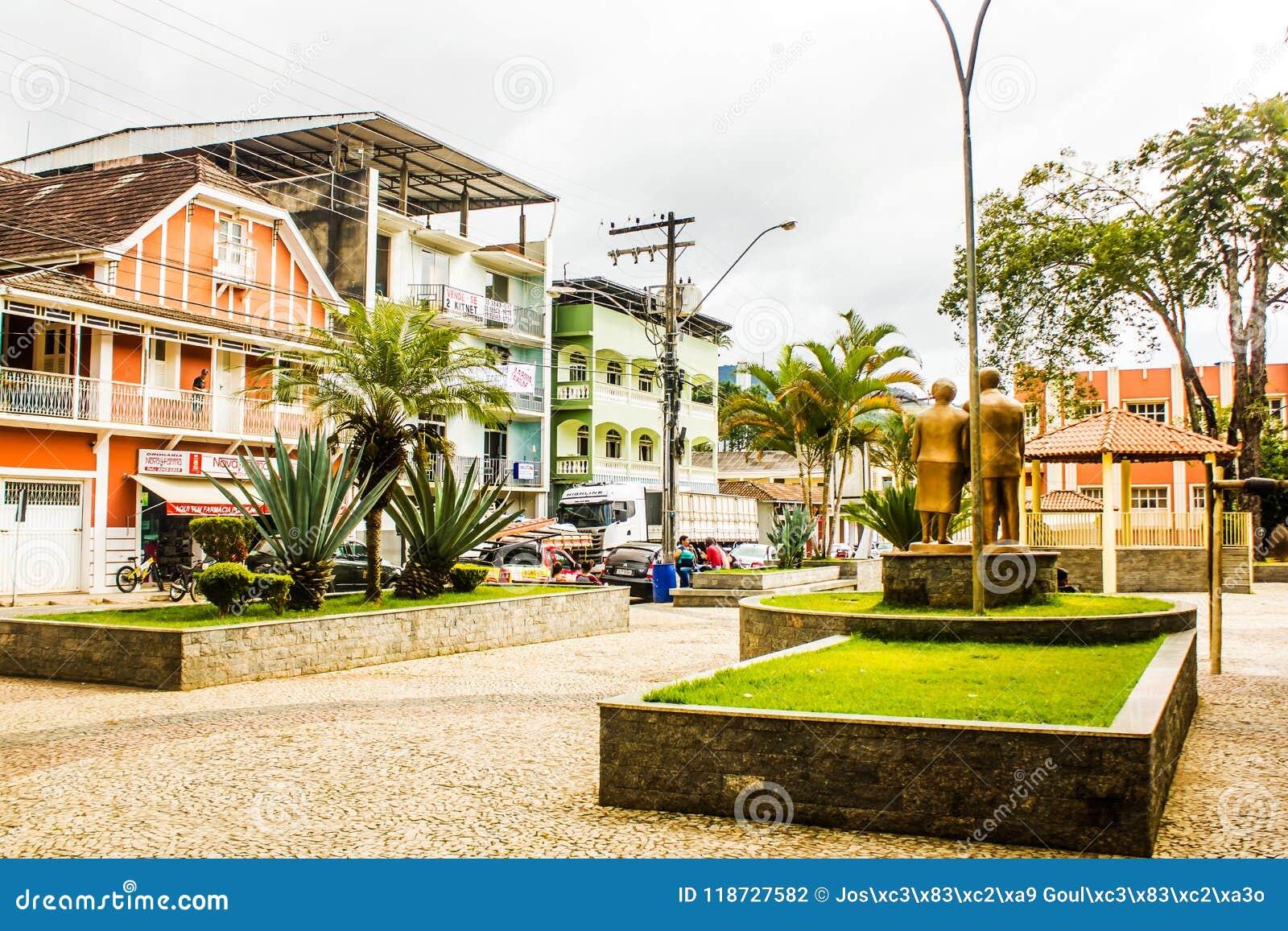 Jequitibá Minas Gerais fonte: thumbs.dreamstime.com