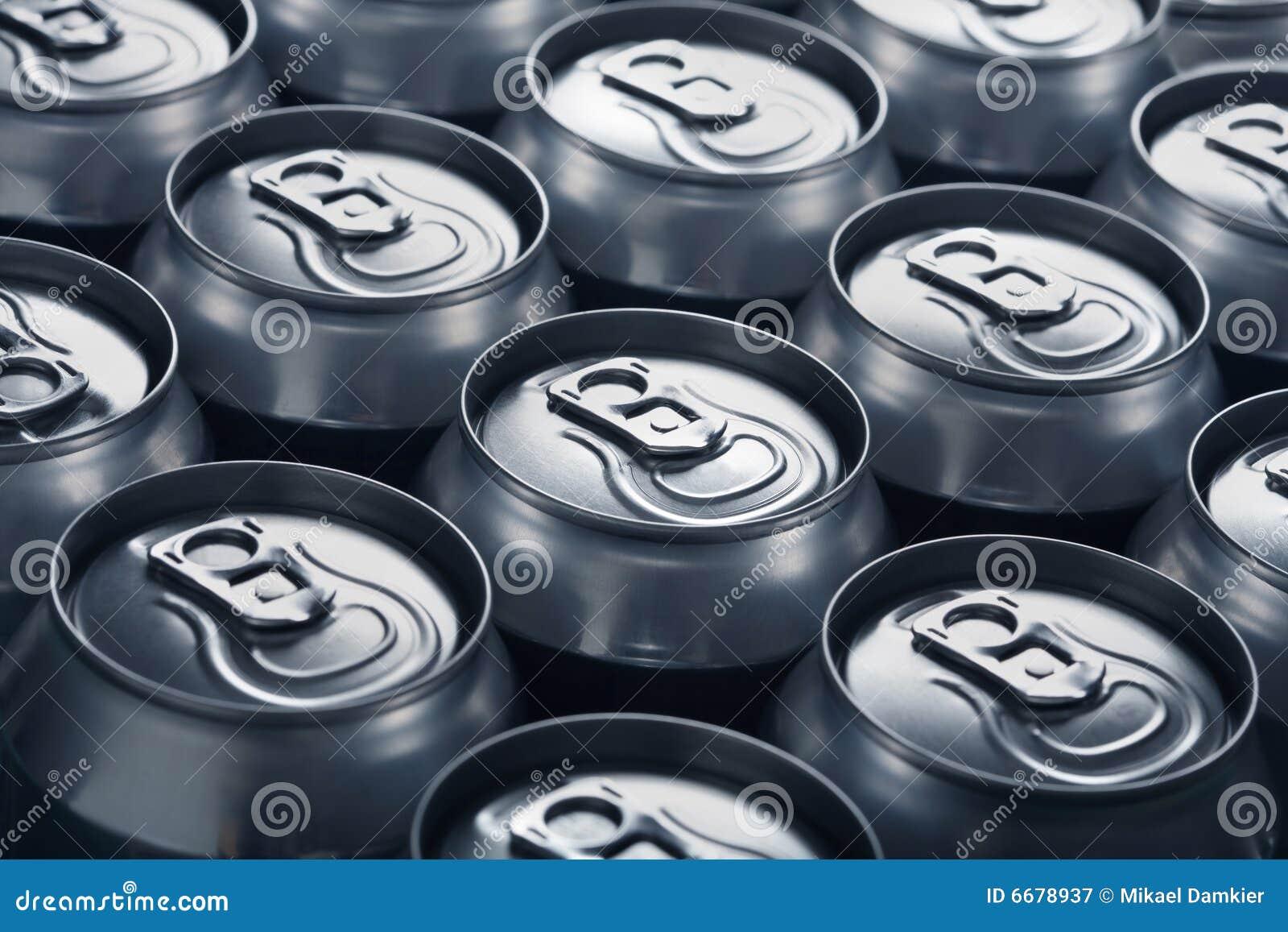 aluminiumdosen stockbild bild von alcohol bier abschlu 6678937. Black Bedroom Furniture Sets. Home Design Ideas