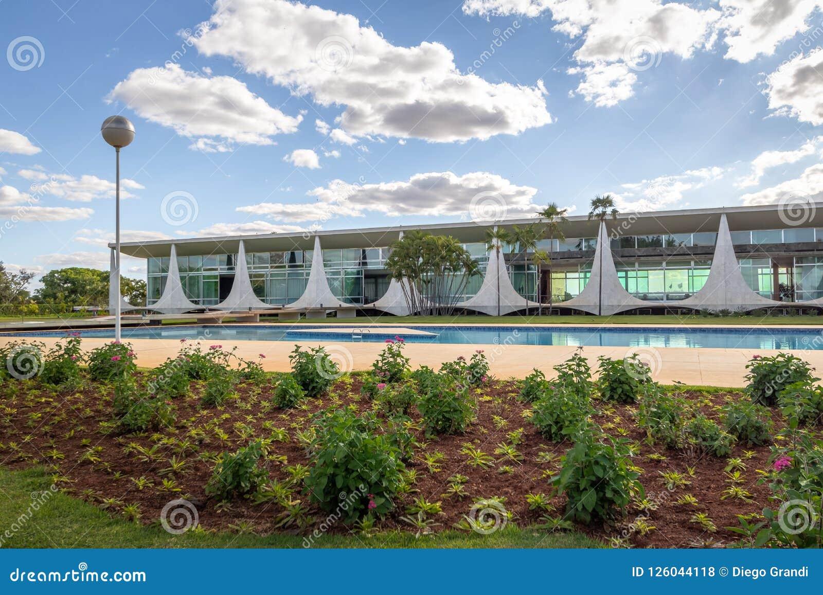 Alvorada Palace Garden And Swimming Pool Brasilia Distrito