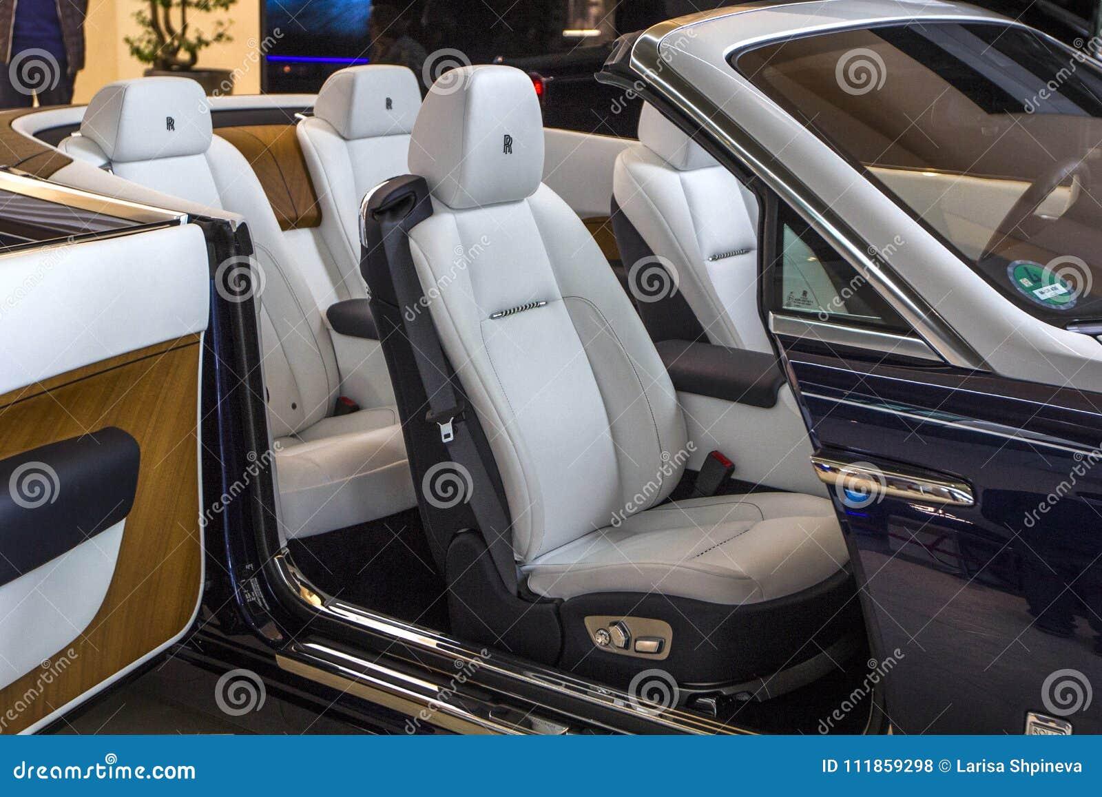 Alvorecer luxuoso de Rolls royce do salão de beleza do carro na EQUIMOSE de BMW do centro de exposição, Munich, Alemanha