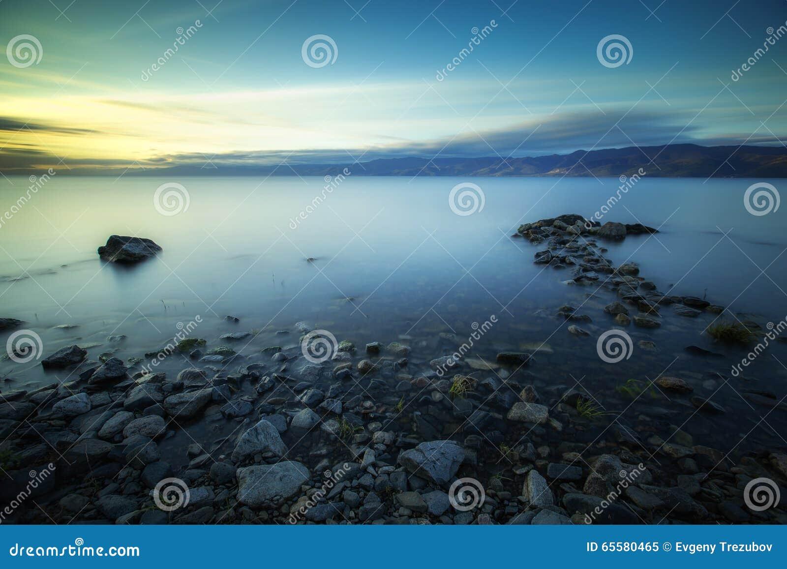 Alvorecer no Lago Baikal