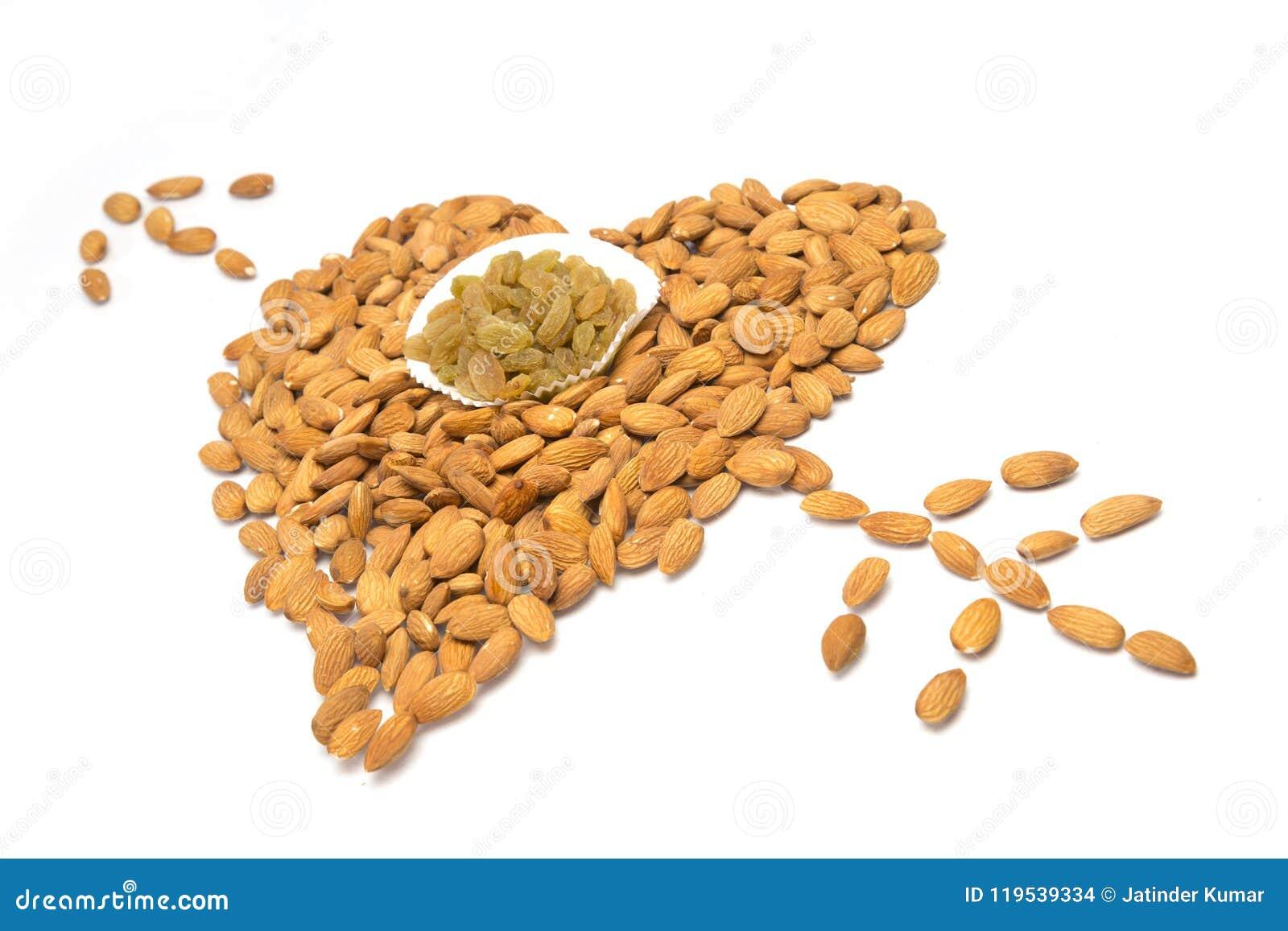 Amandes avec des raisins secs