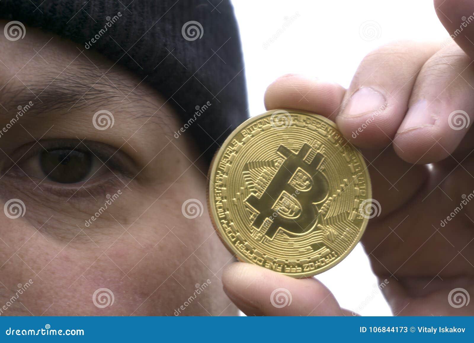 minatore bitcoin oro)