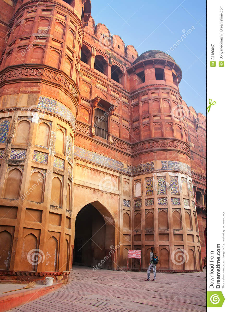 fort lawn muslim personals The lahore fort (punjabi and urdu: شاہی قلعہ ‬ ‎: shahi qila, or royal fort), is a citadel in the city of lahore, pakistan the fortress is located at the northern end of lahore's walled city, and spreads over an area greater than 20 hectares it contains 21 notable monuments, some of which date to the era of emperor akbarthe lahore fort is.