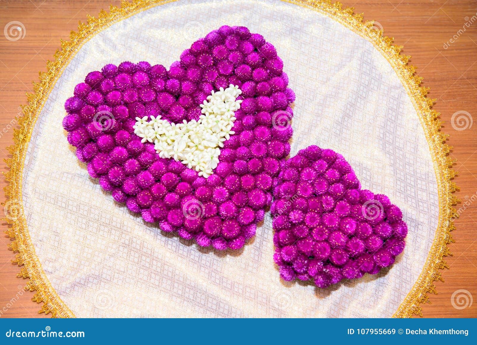 What does purple heart mean  Purple Heart Emoji: 💜 Meaning