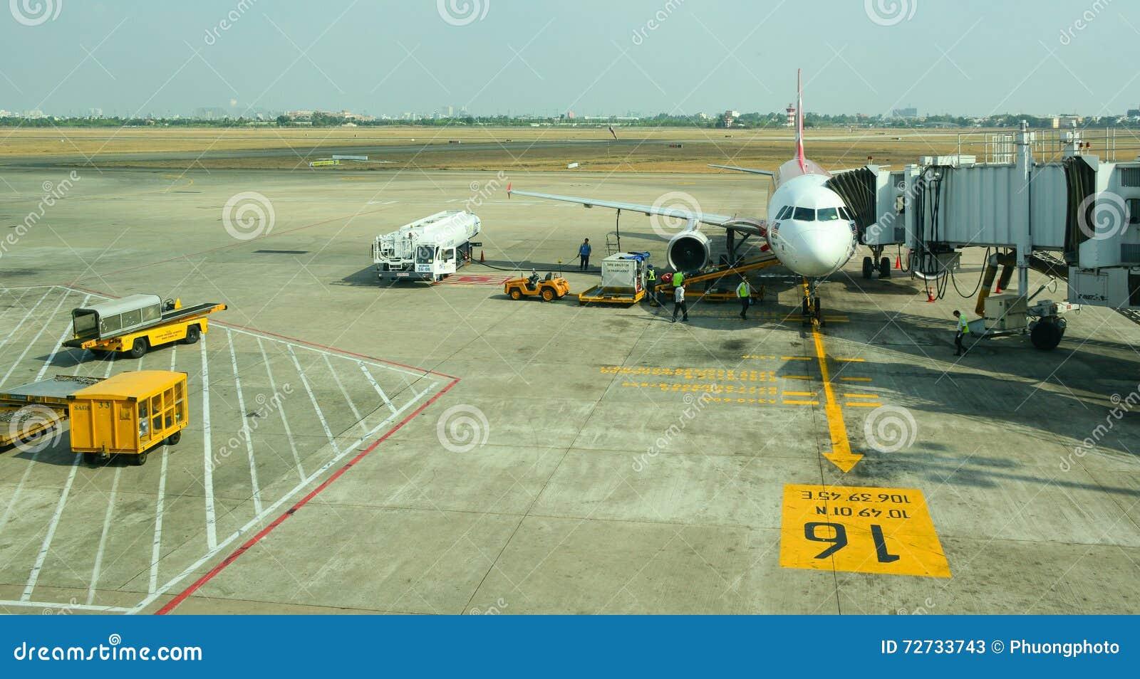 Amarrage d avion à l aéroport dans Bali, Indonésie