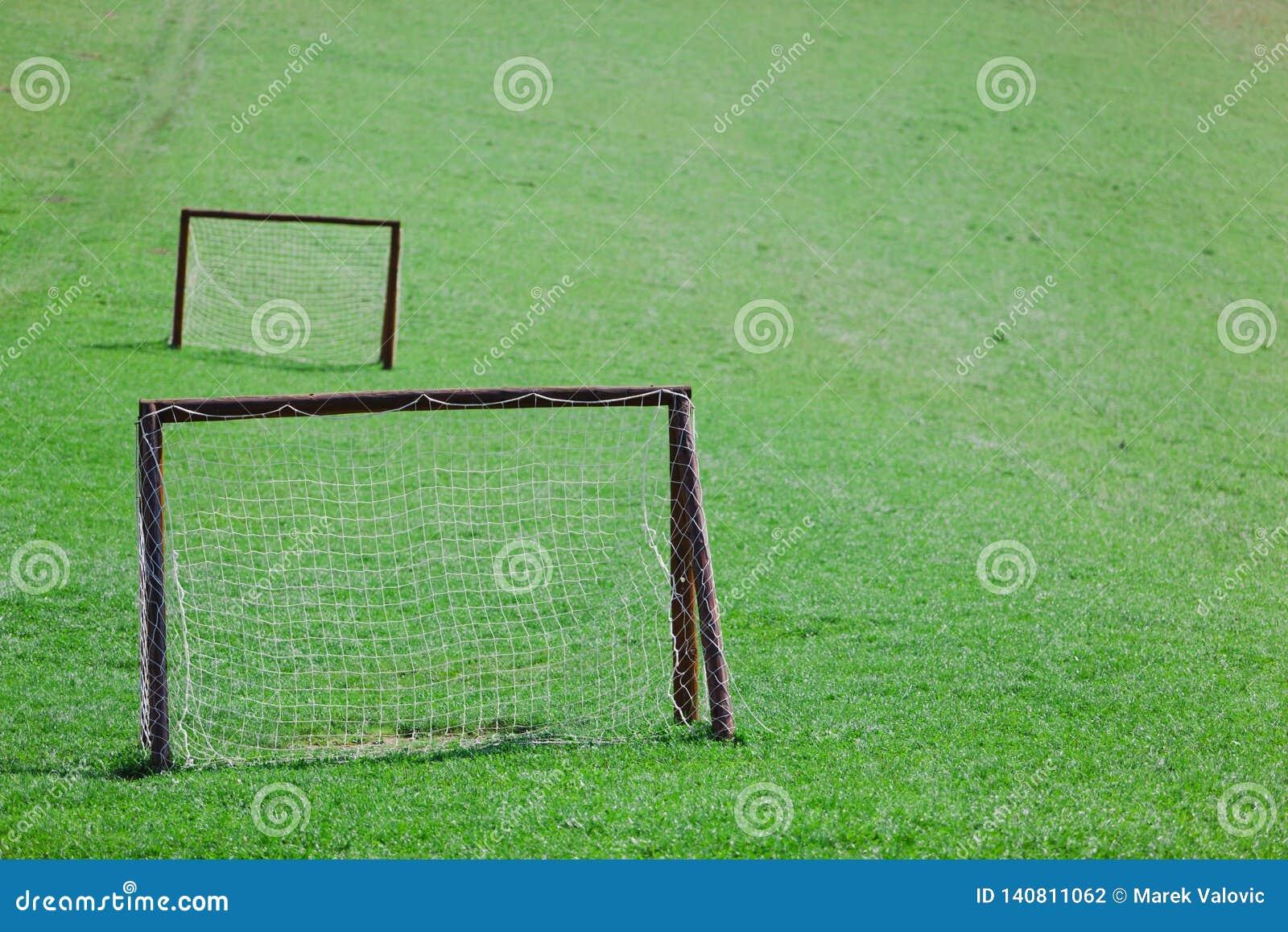 Amateur speelgebied - Groene weide met twee doelstellingen