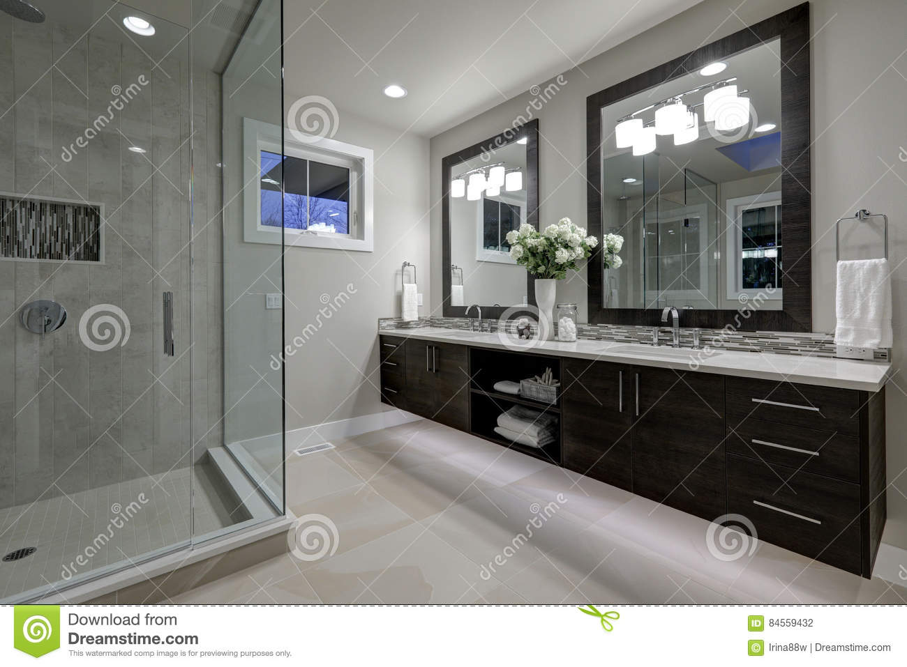 Amazing master bathroom with large glass walk in shower for Large master bathroom