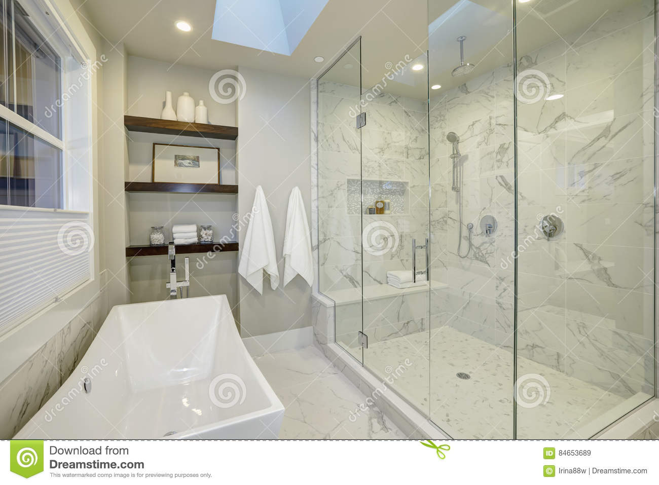 Amazing Master Bathroom With Large Glass Walk In Shower