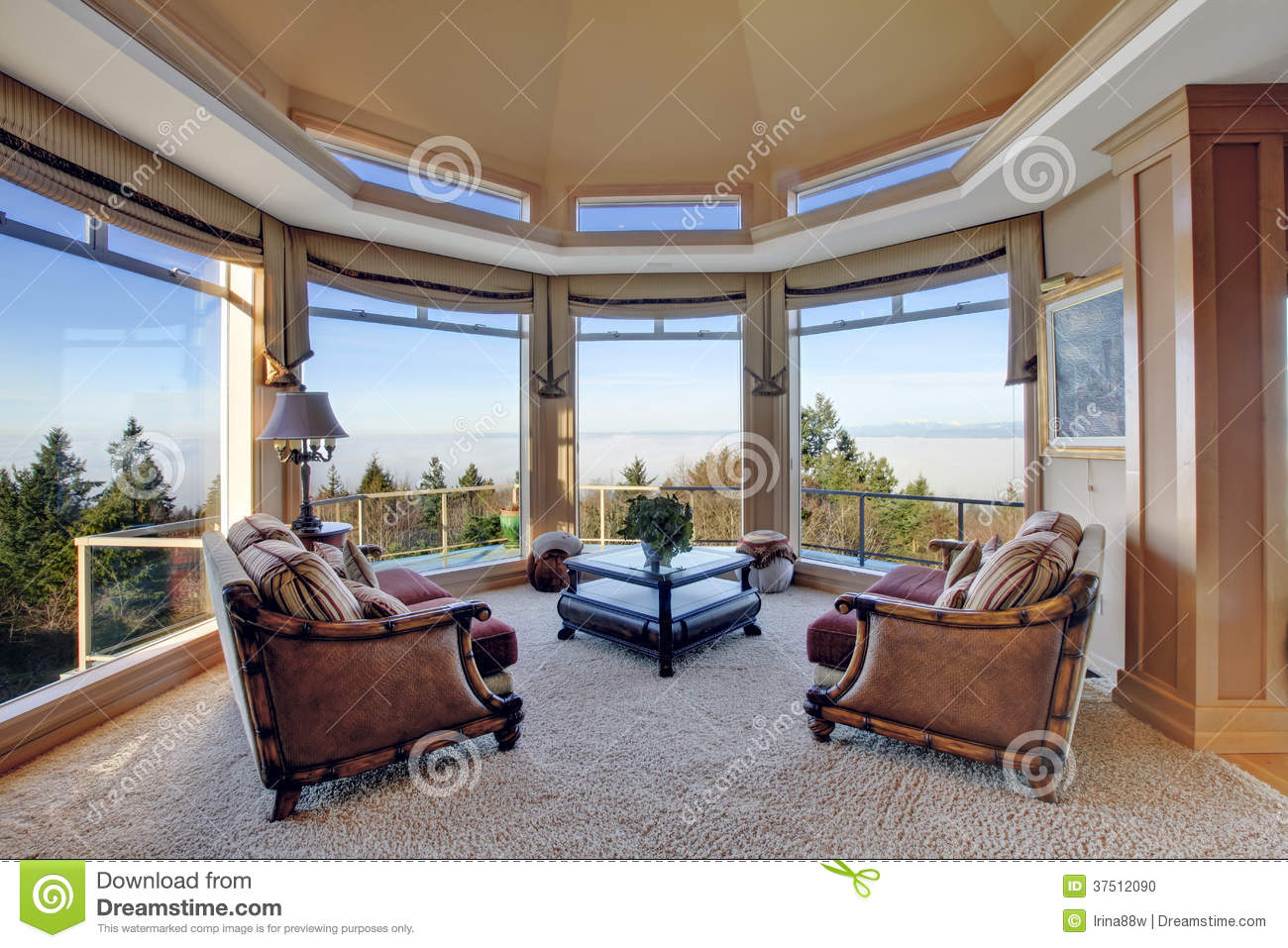 Amazing Rich Interior With Stunning Window View On