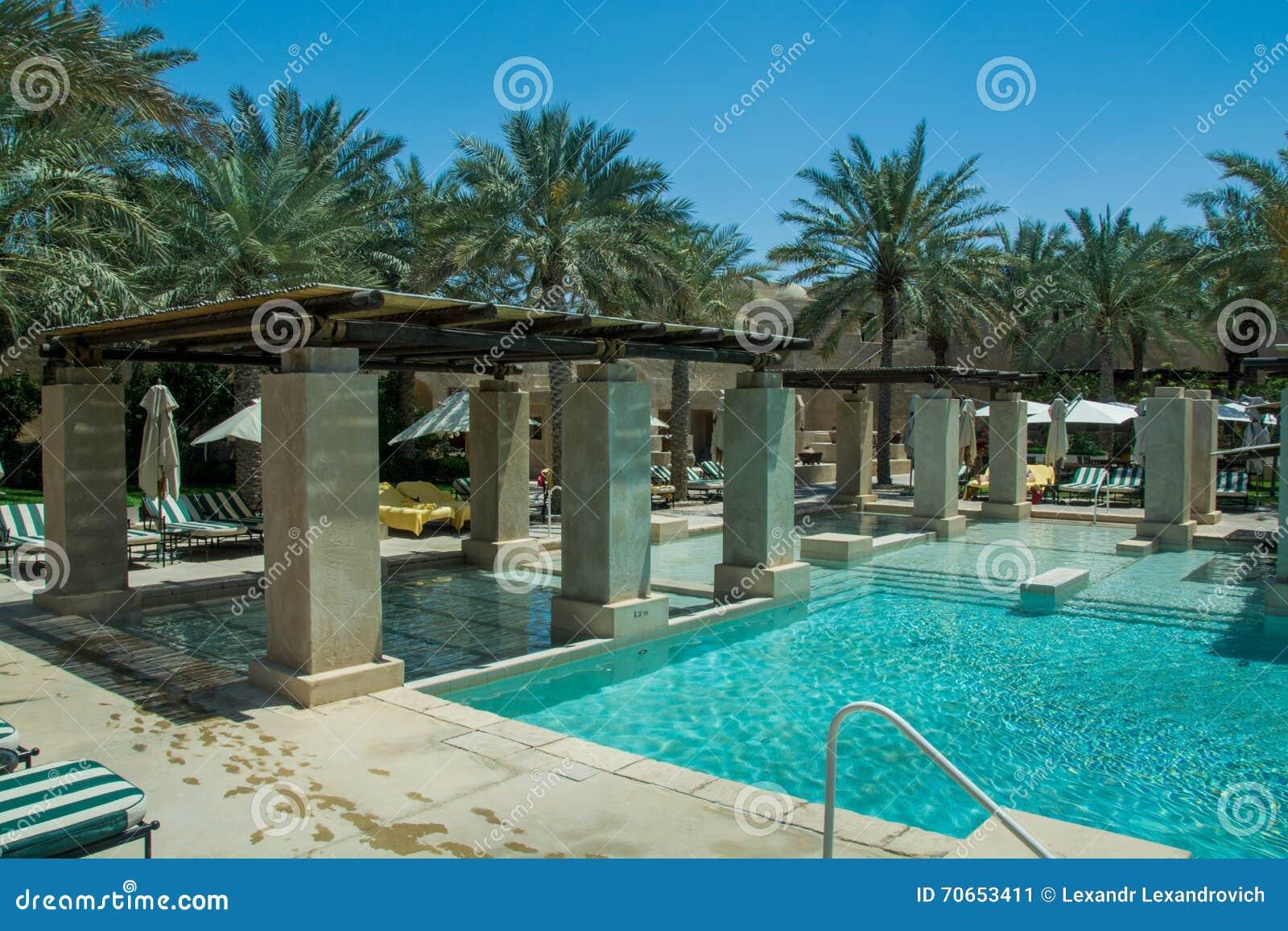 Amazing Swimming Pool Lounge At Luxury Arabian Desert Resort ...
