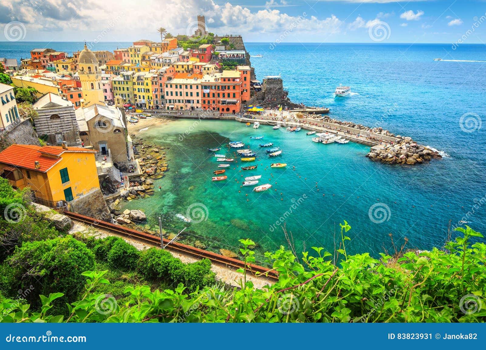 Amazing Vernazza Village And Stunning Sunrise, Cinque Terre, Italy ...