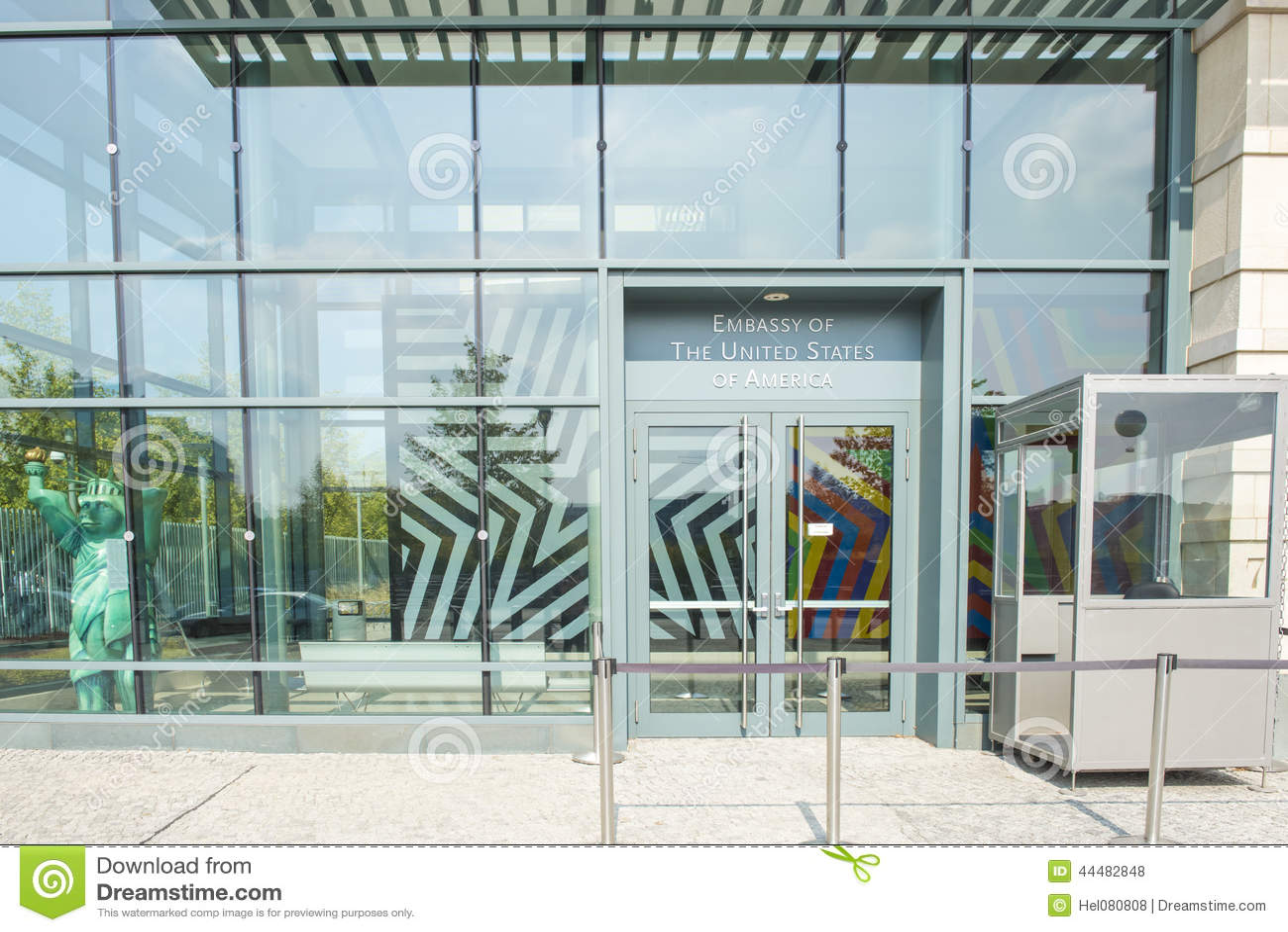 ambassade des usa berlin photo stock ditorial image 44482848. Black Bedroom Furniture Sets. Home Design Ideas