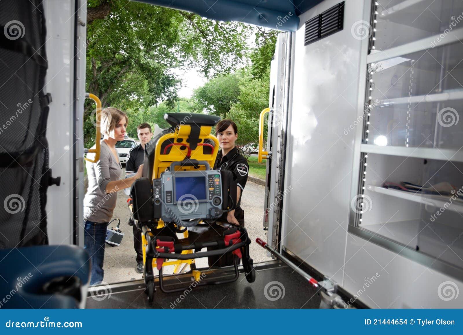 Ambulanspäfyllningstålmodig