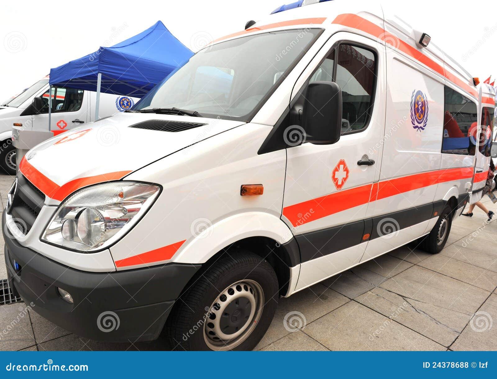 Ambulanza del benz di Mercedes