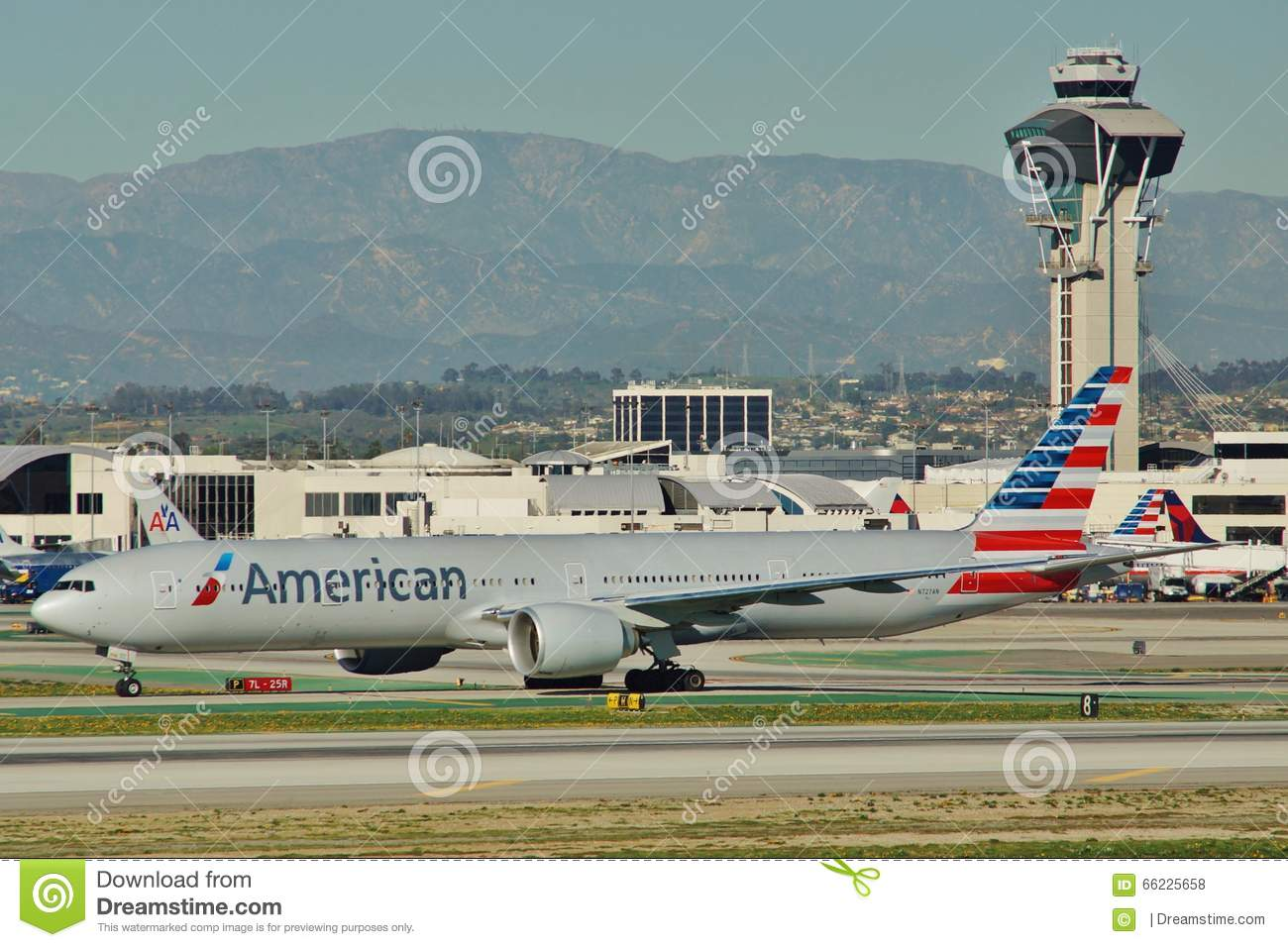 American Airlines Boeing B 777 323er N727an Editorial