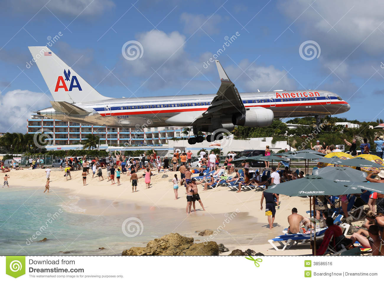 American Airlines Boeing 757 Landing St. Martin Editorial Photo ...