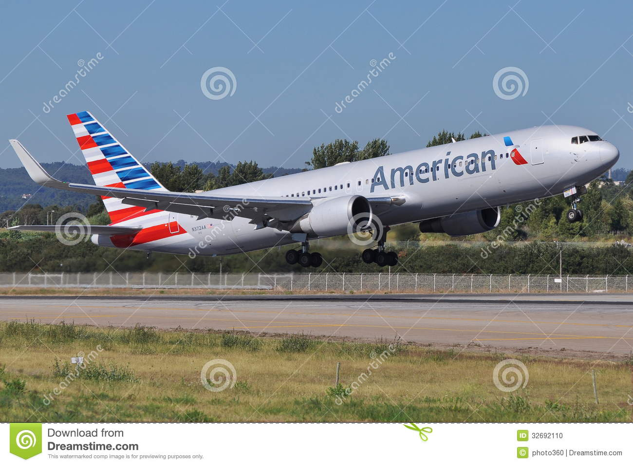 American Airlines New Colors Editorial Image Image Of