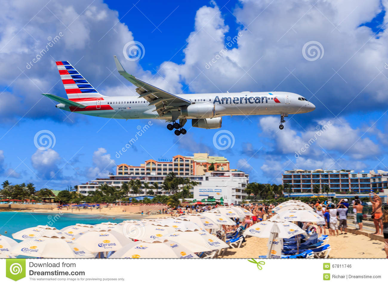 american airlines at st maarten editorial photo image of maho landing 67811746. Black Bedroom Furniture Sets. Home Design Ideas
