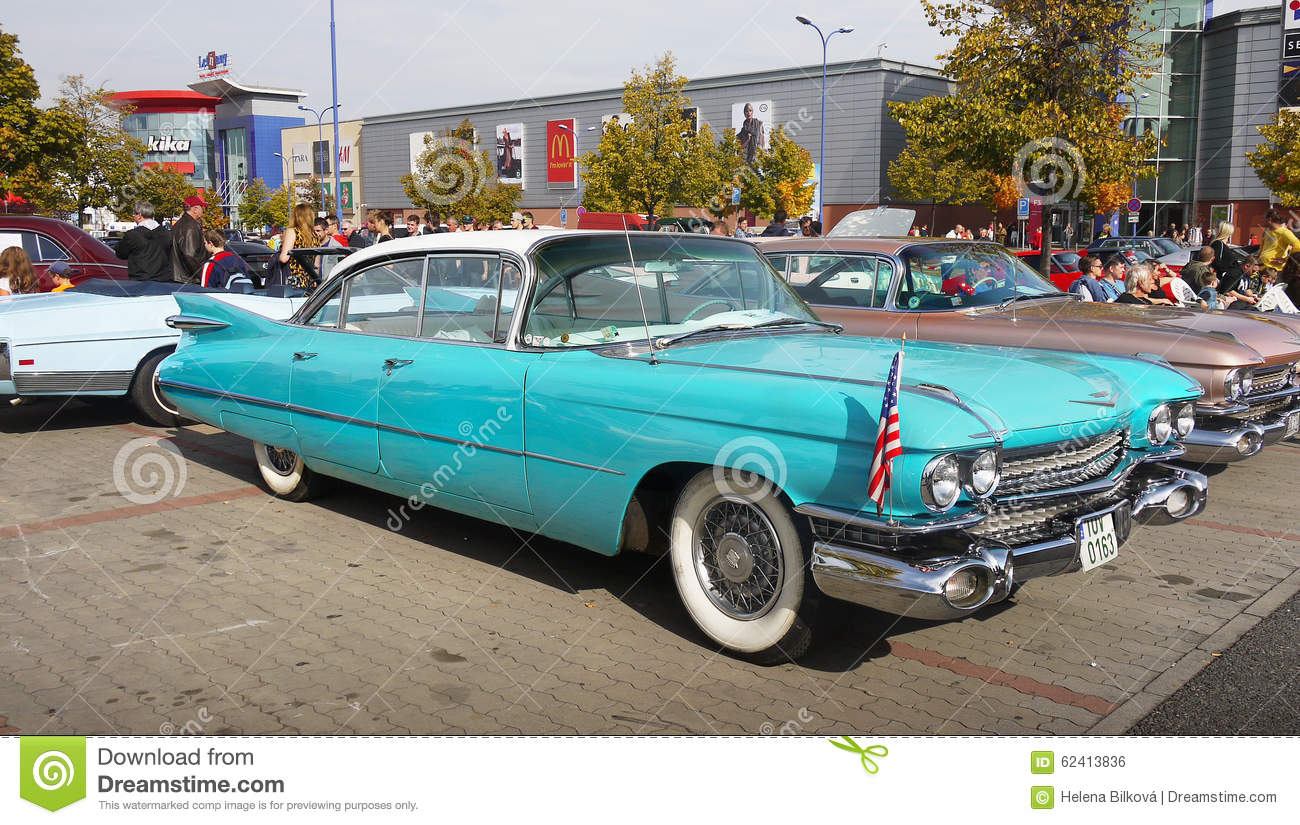 Best Classic Cars To Buy And Drive