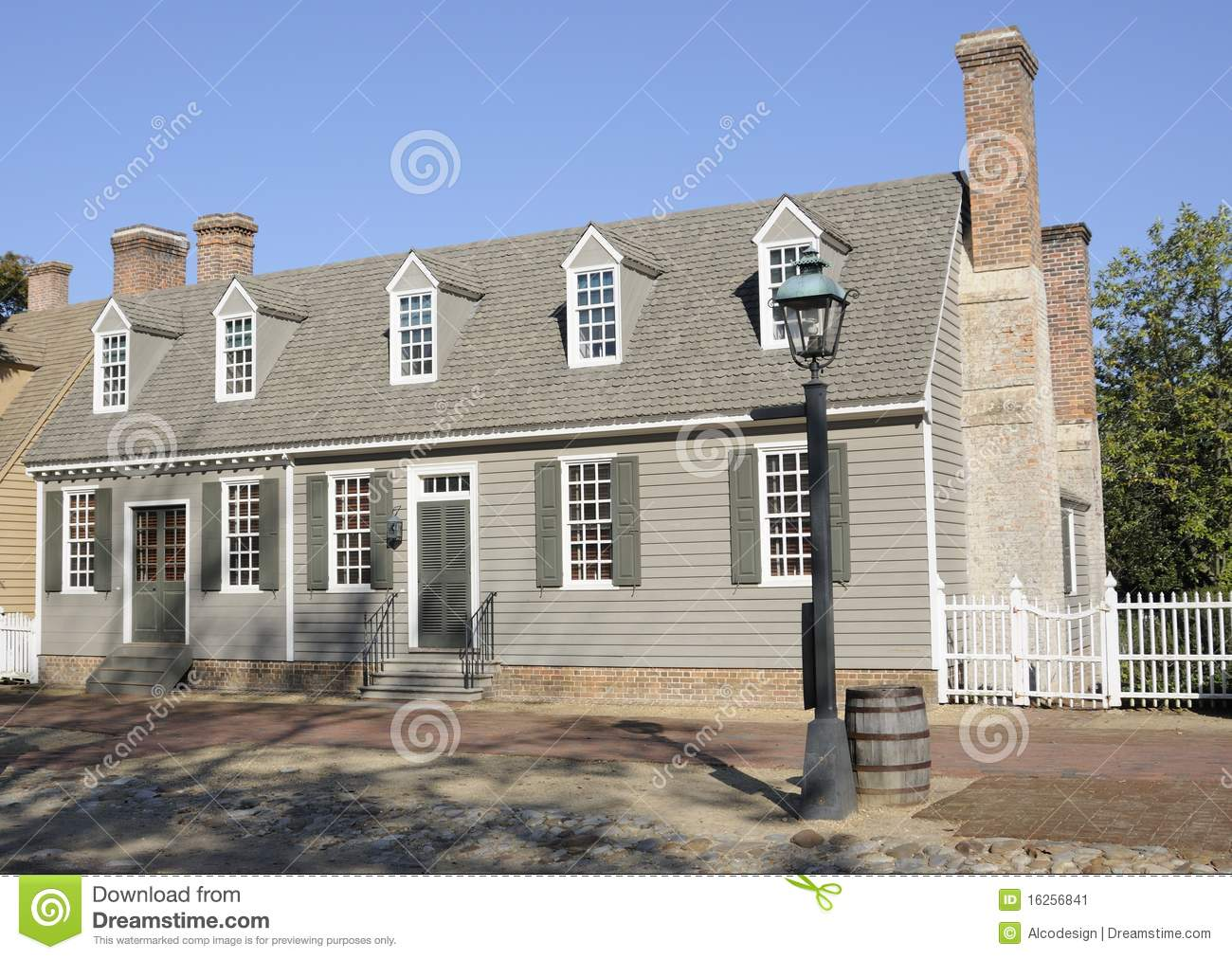 American colonial style house stock image image 16256841 for American house styles