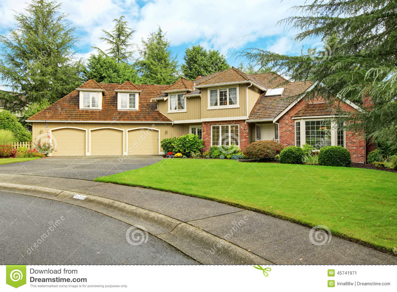 American real estate luxury house exterior with brick for American homes realty