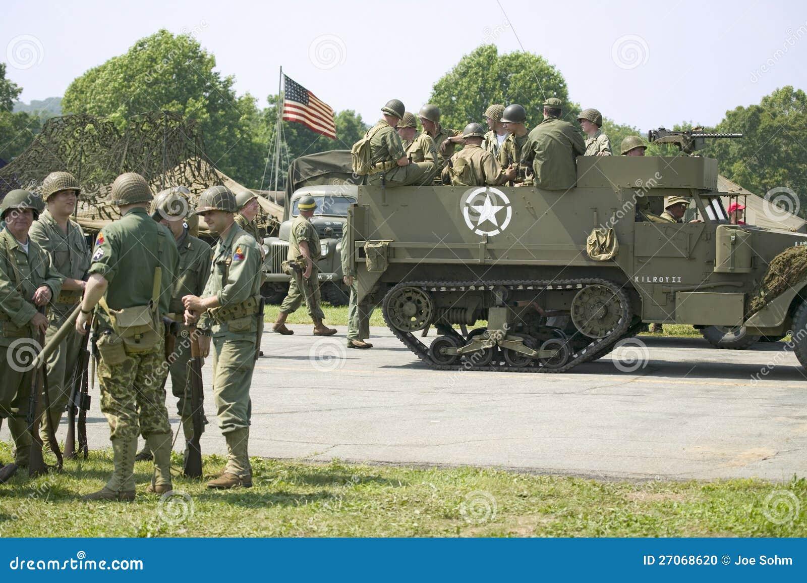 American Soldiers At Mid-Atlantic Air Museum World War