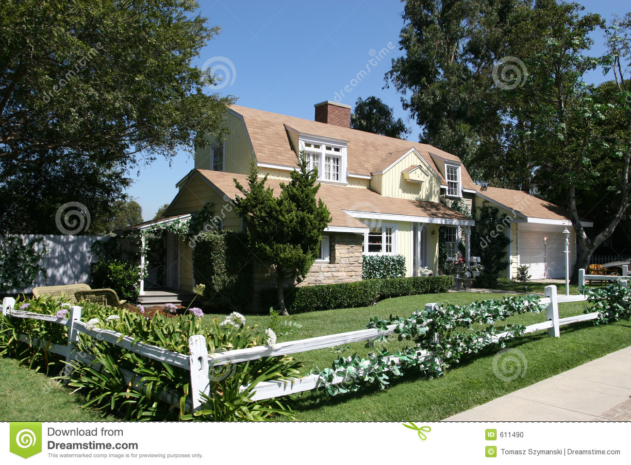 American style house stock photo image of blue for Americana style house